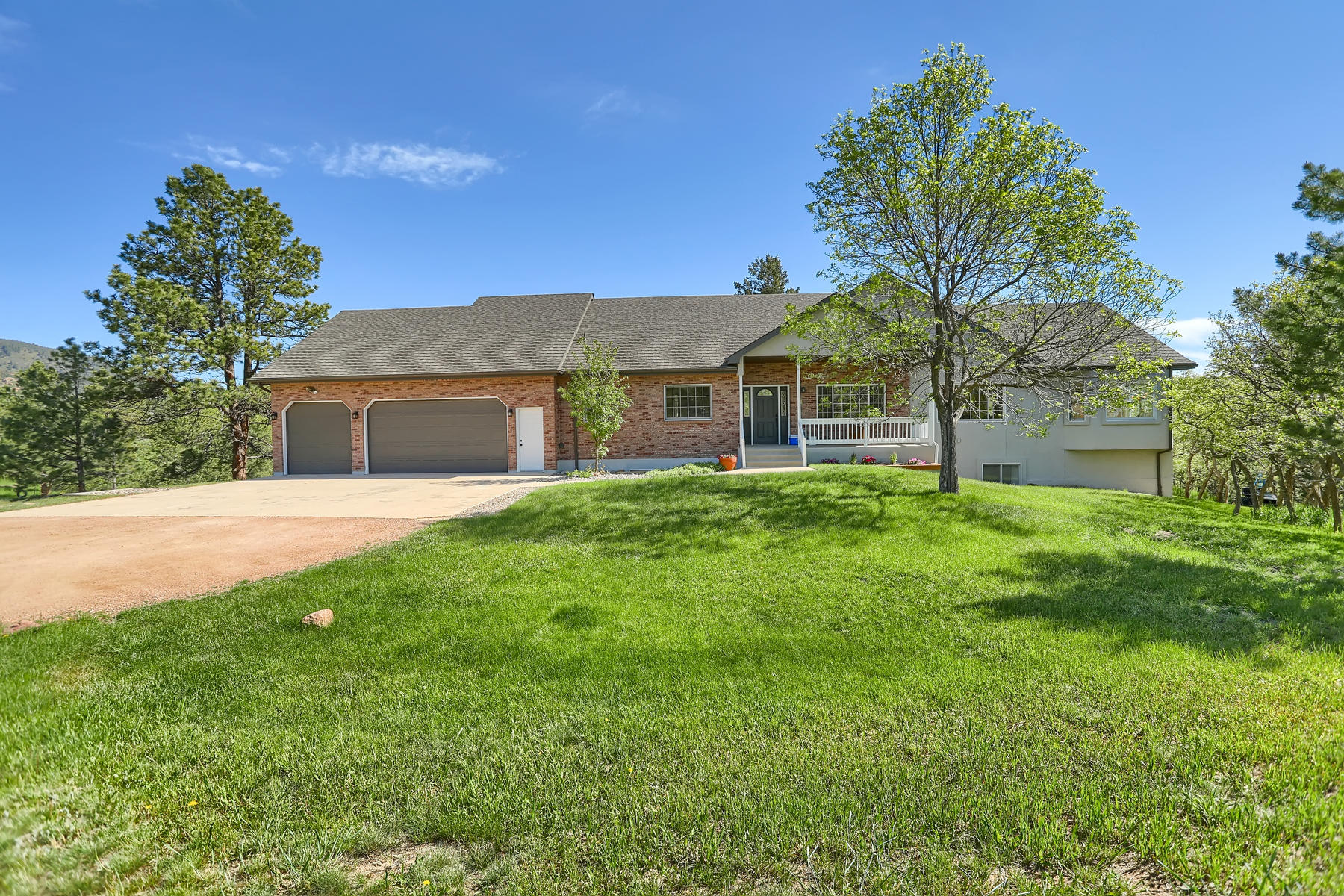 Single Family Homes for Active at 761 Forest View Rd Palmer Lake, Colorado 80133 United States