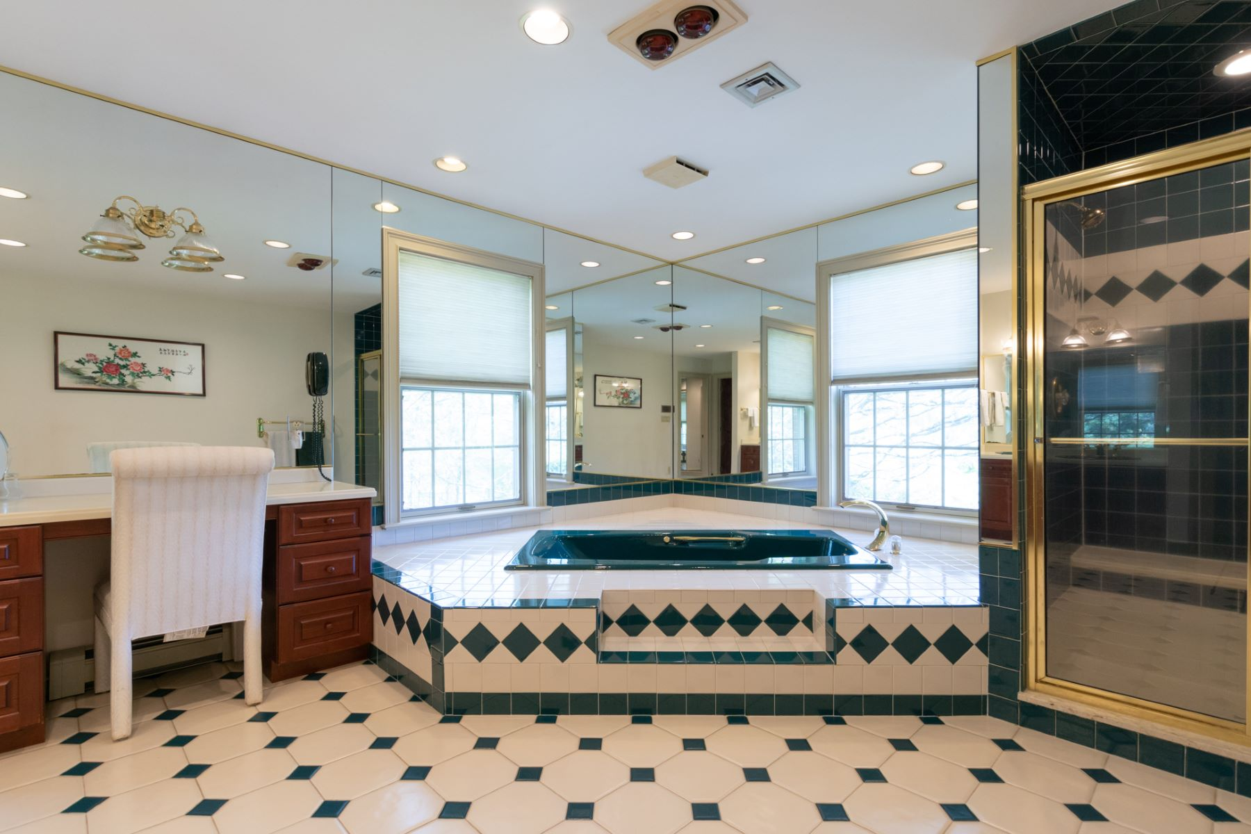 Additional photo for property listing at Masterpiece of Custom Design On 10 Sprawling Acres 7 Woodland Road, Newtown, Πενσιλβανια 18940 Ηνωμένες Πολιτείες