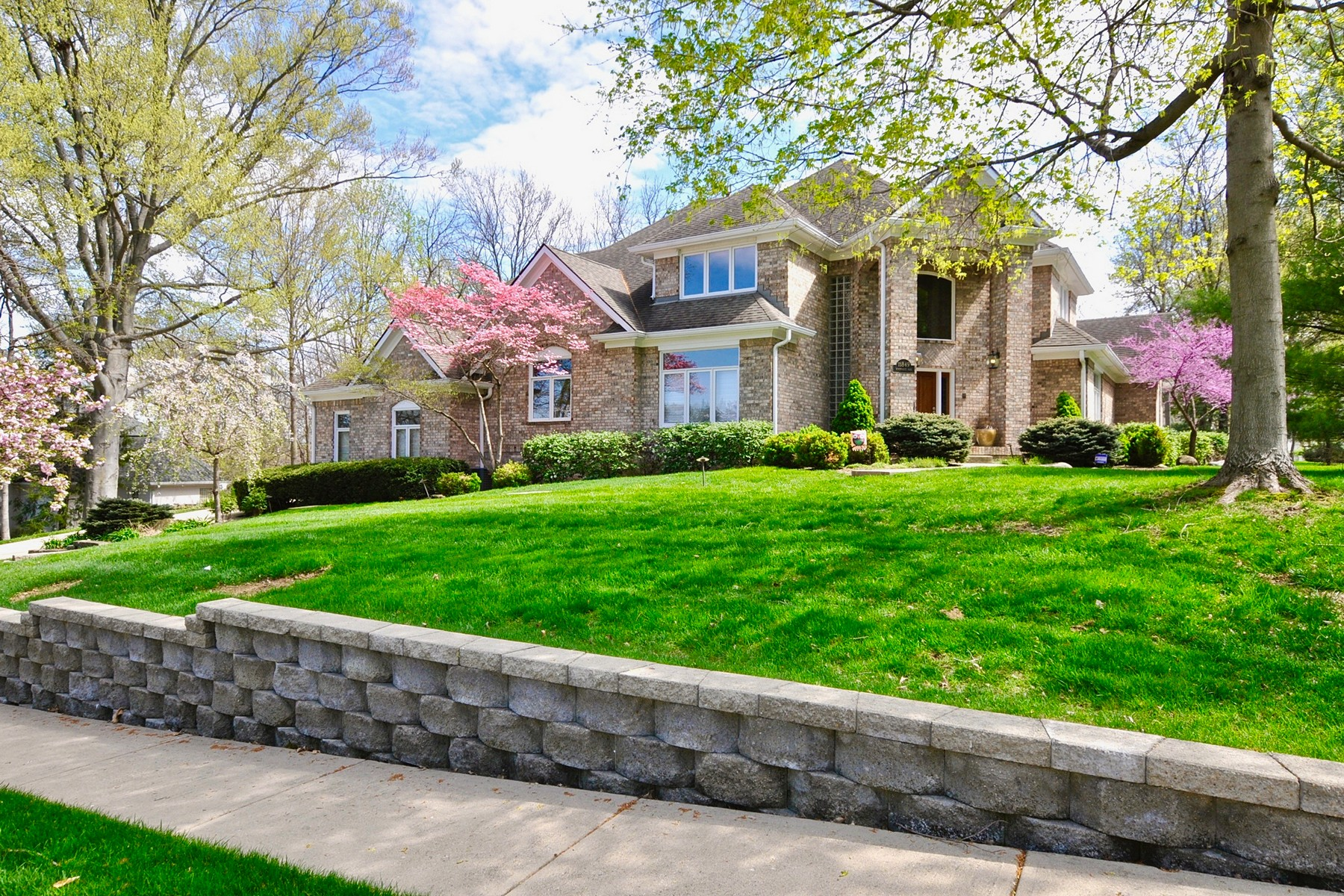 단독 가정 주택 용 매매 에 Classic Home 11849 Windpointe Pass Carmel, 인디애나, 46033 미국
