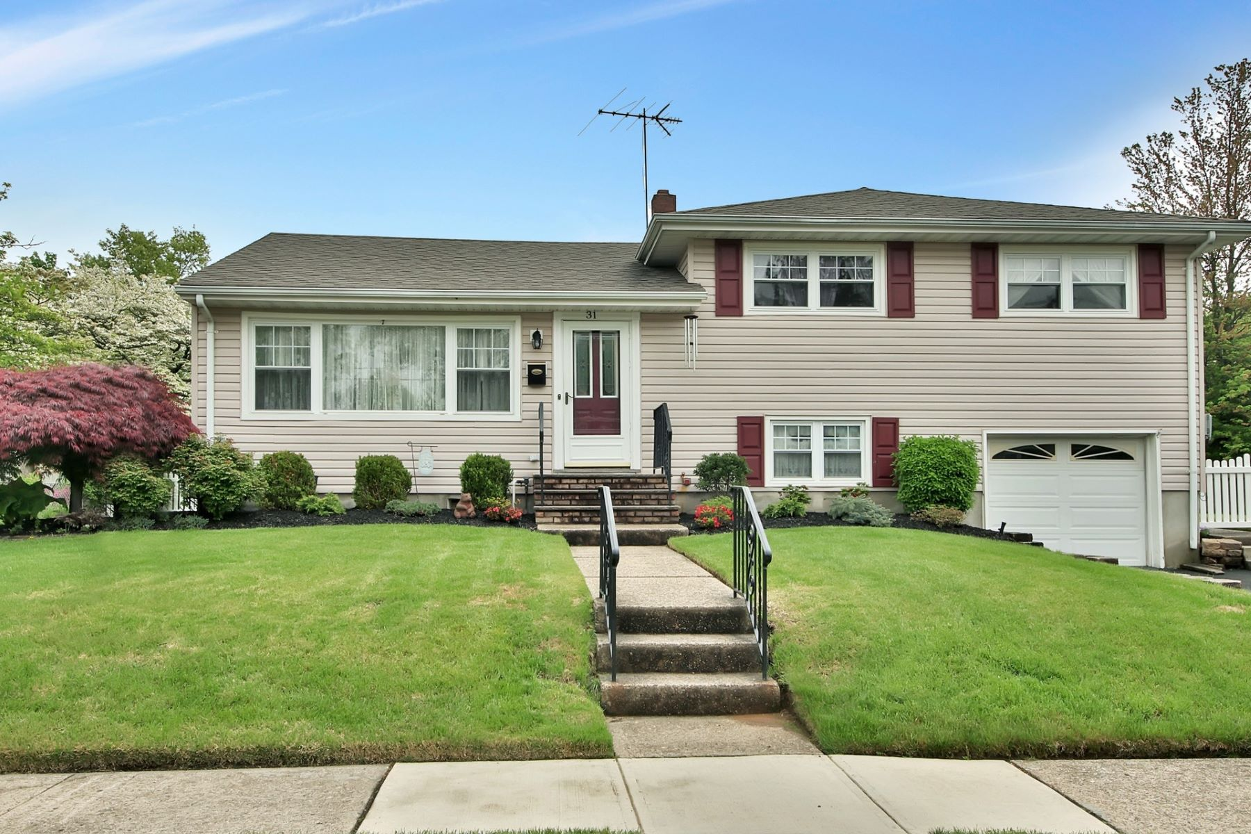 Single Family Home for Sale at Expanded Split 31 Beacon Rd, Dumont, New Jersey 07628 United States