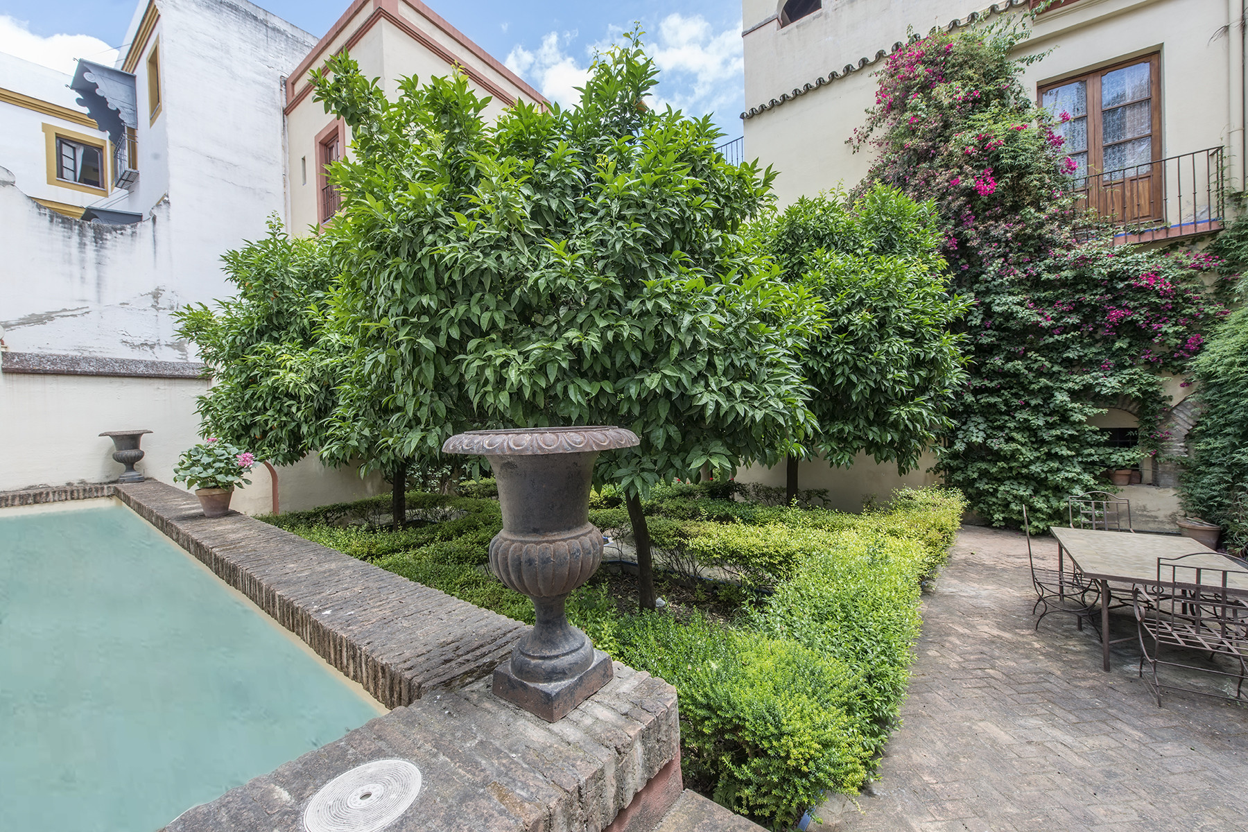 Single Family Homes for Sale at 17th Century Sevillian residential palace with orange trees and swimmingpool Sevilla, Andalucia Spain