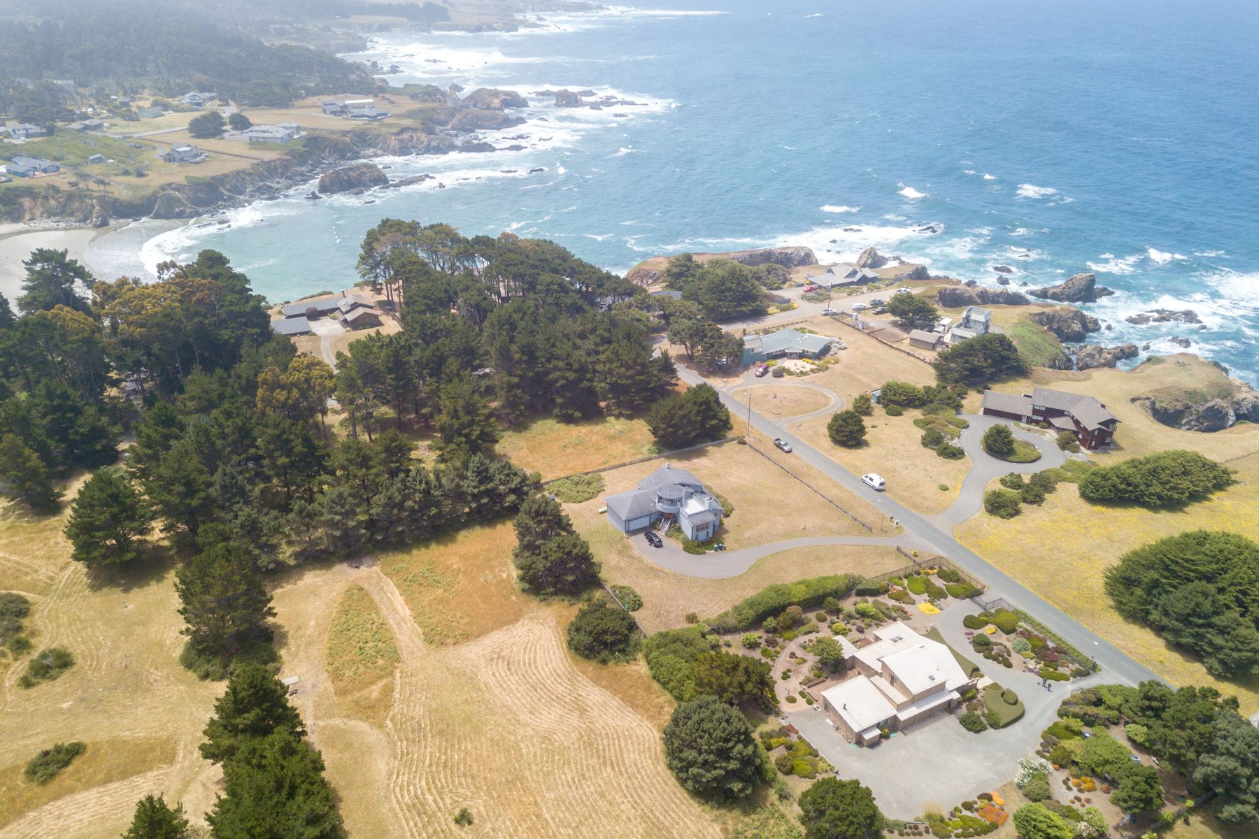 Additional photo for property listing at Ocean View Garden Estate 19001 Pacific Drive Fort Bragg, California 95437 United States