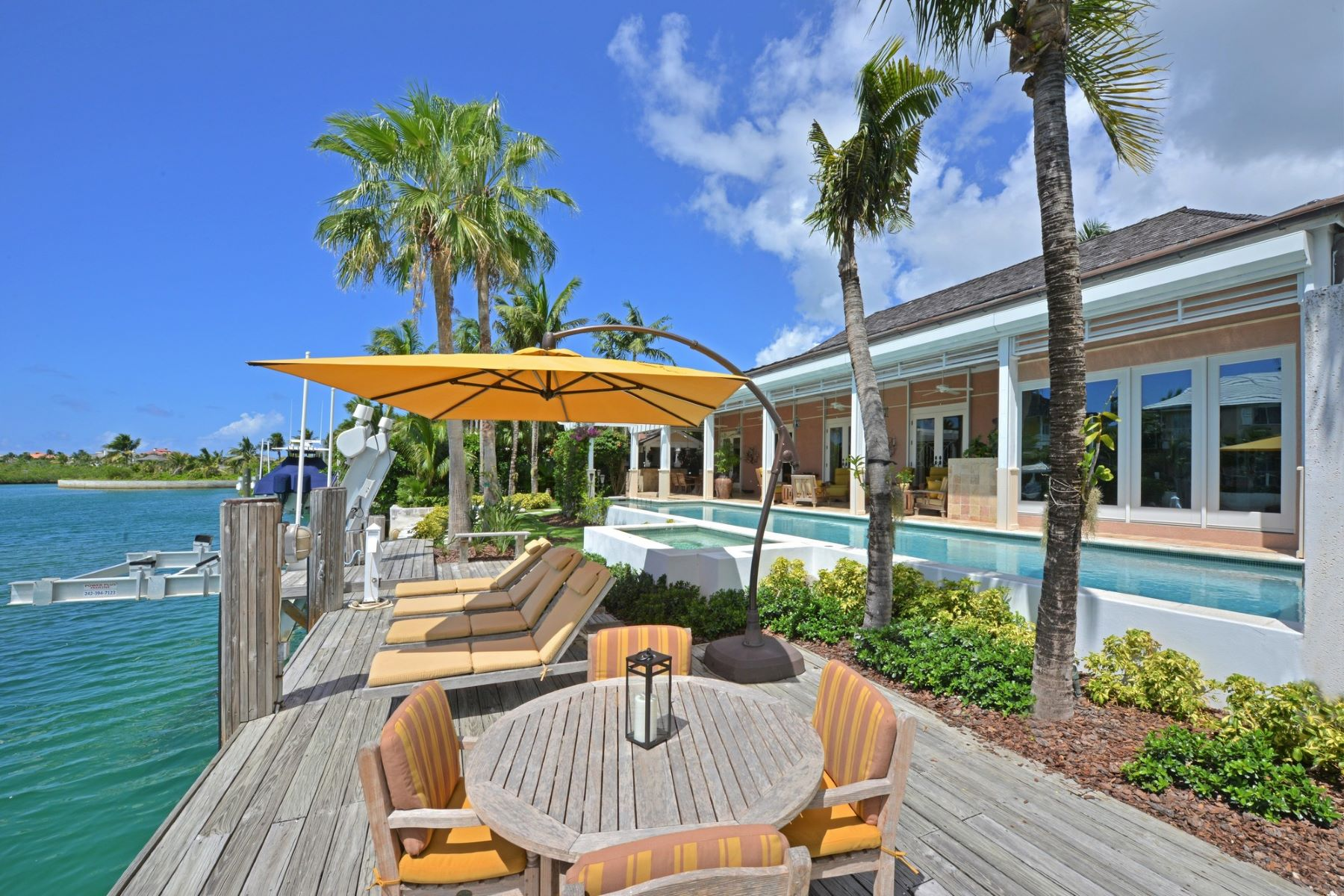 Additional photo for property listing at 8 Beach Island Islands At Old Fort Bay, Old Fort Bay, Nassau And Paradise Island Bahamas