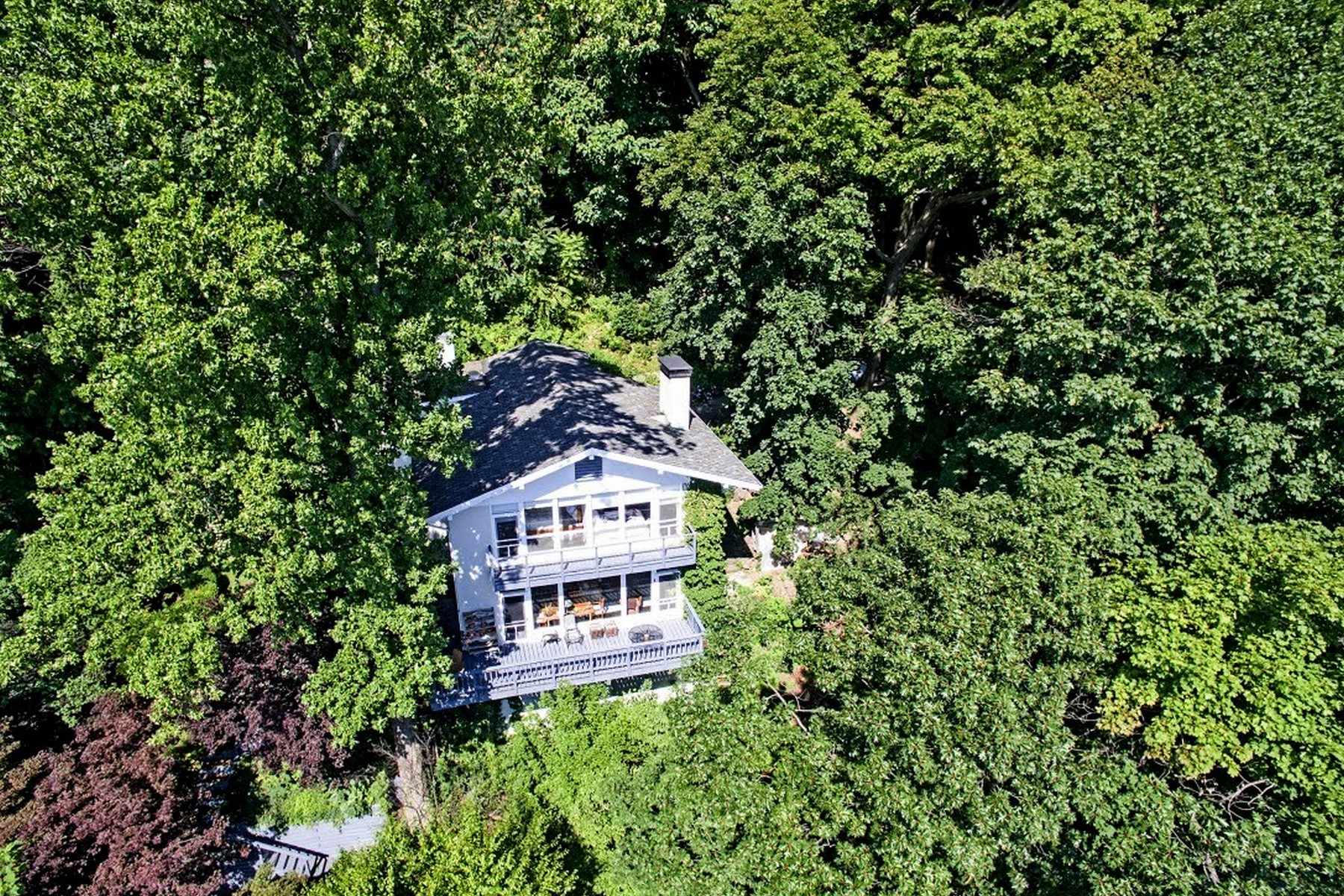 "Additional photo for property listing at ""Cliff House"" 40 Lawrence Lane Palisades, New York 10964 United States"
