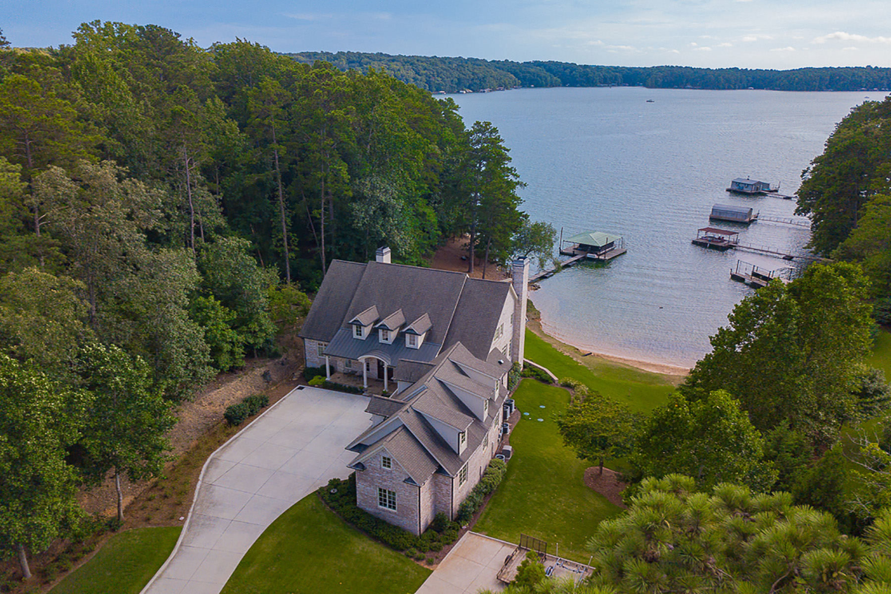 Single Family Homes for Active at Spectacular Lake Home On Lanier's South End 4763 Propes Drive Oakwood, Georgia 30566 United States