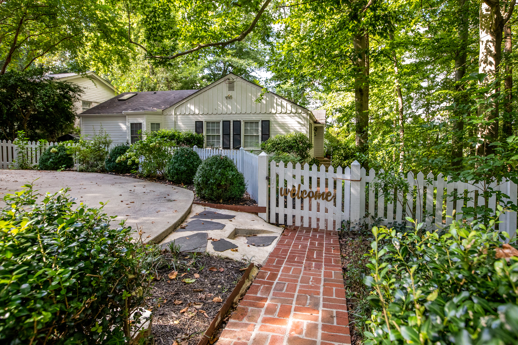 Single Family Home for Sale at Recently Renovated Ranch On The Beltline 535 Overbrook Dr Atlanta, Georgia 30318 United States