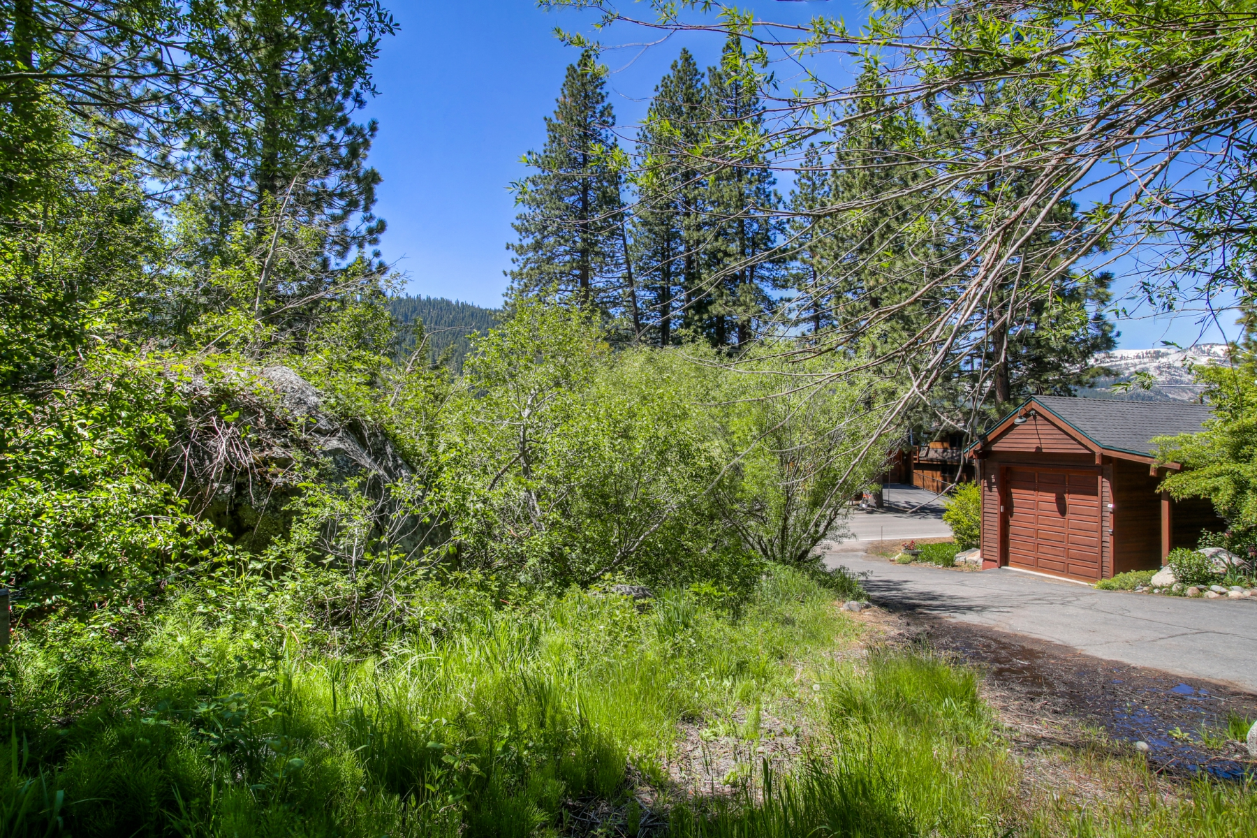 Additional photo for property listing at 13794 Donner Pass Road, Truckee, California 96161 13794 Donner Pass Road Truckee, California 96161 United States