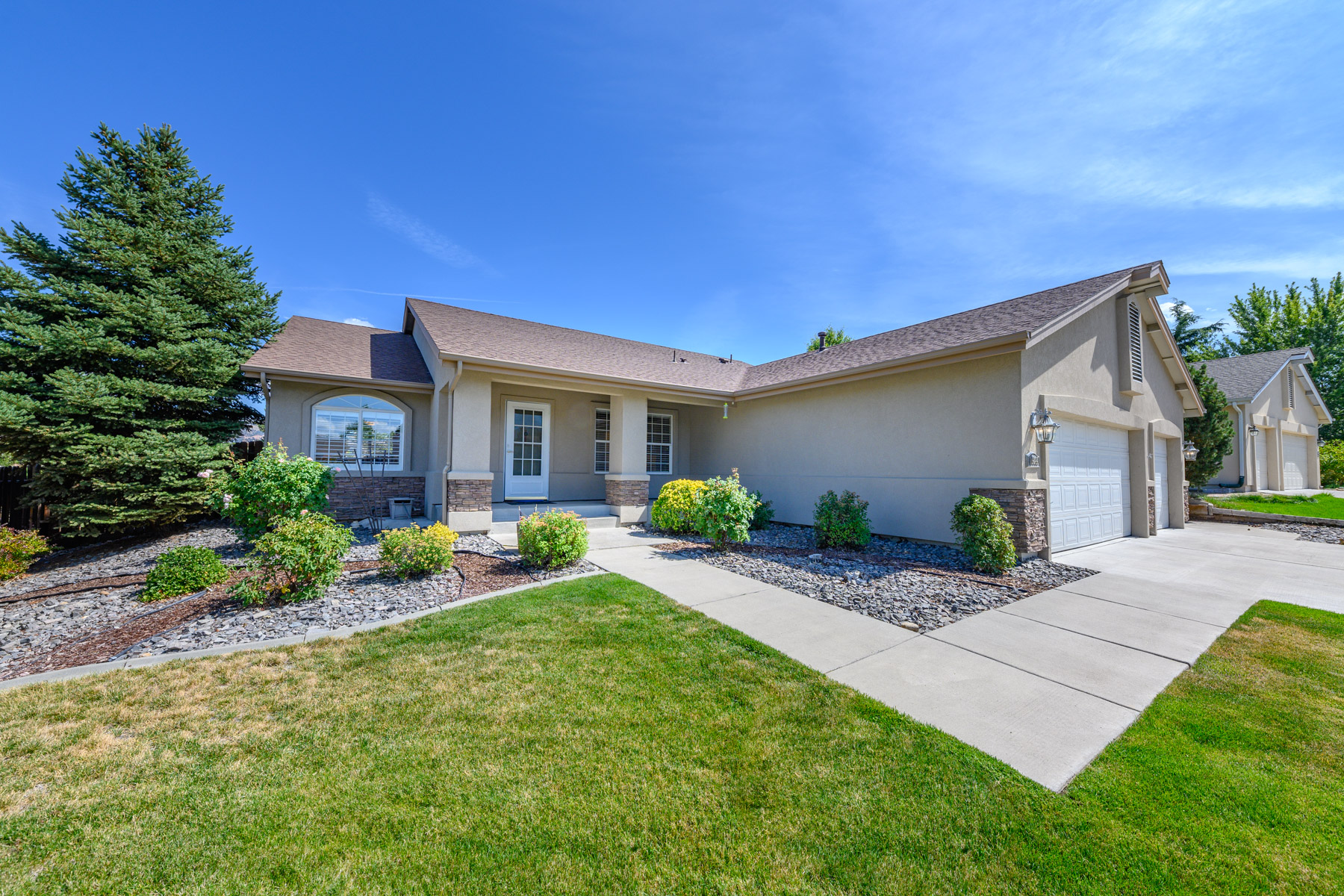 Single Family Homes 为 销售 在 16080 Pine Valley St., Reno 16080 Pine Valley Dr. 里诺, 内华达州 89511 美国