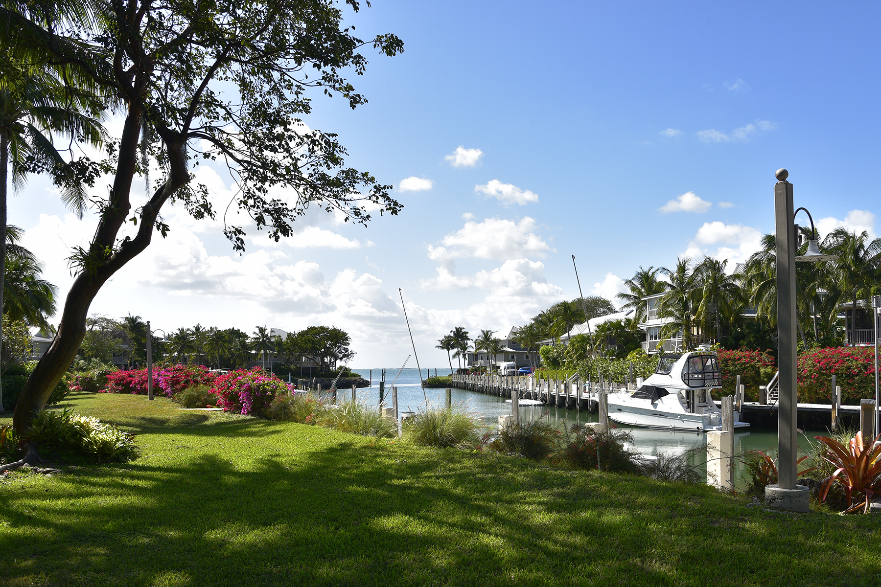 Additional photo for property listing at Waterfront Cottage - Key Largo Anglers Club 13 South Marina Drive Key Largo, Florida 33037 Stati Uniti