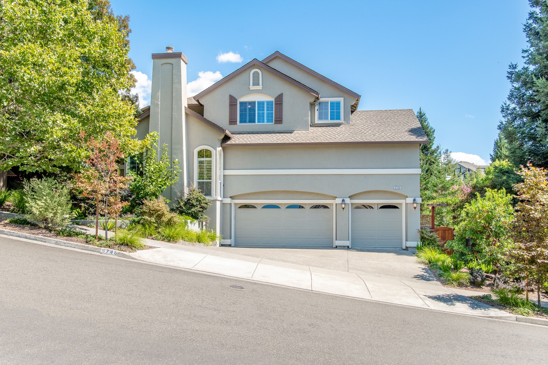 Single Family Homes for Sale at Stunning Skyhawk Home 5746 Owls Nest Drive Santa Rosa, California 95409 United States