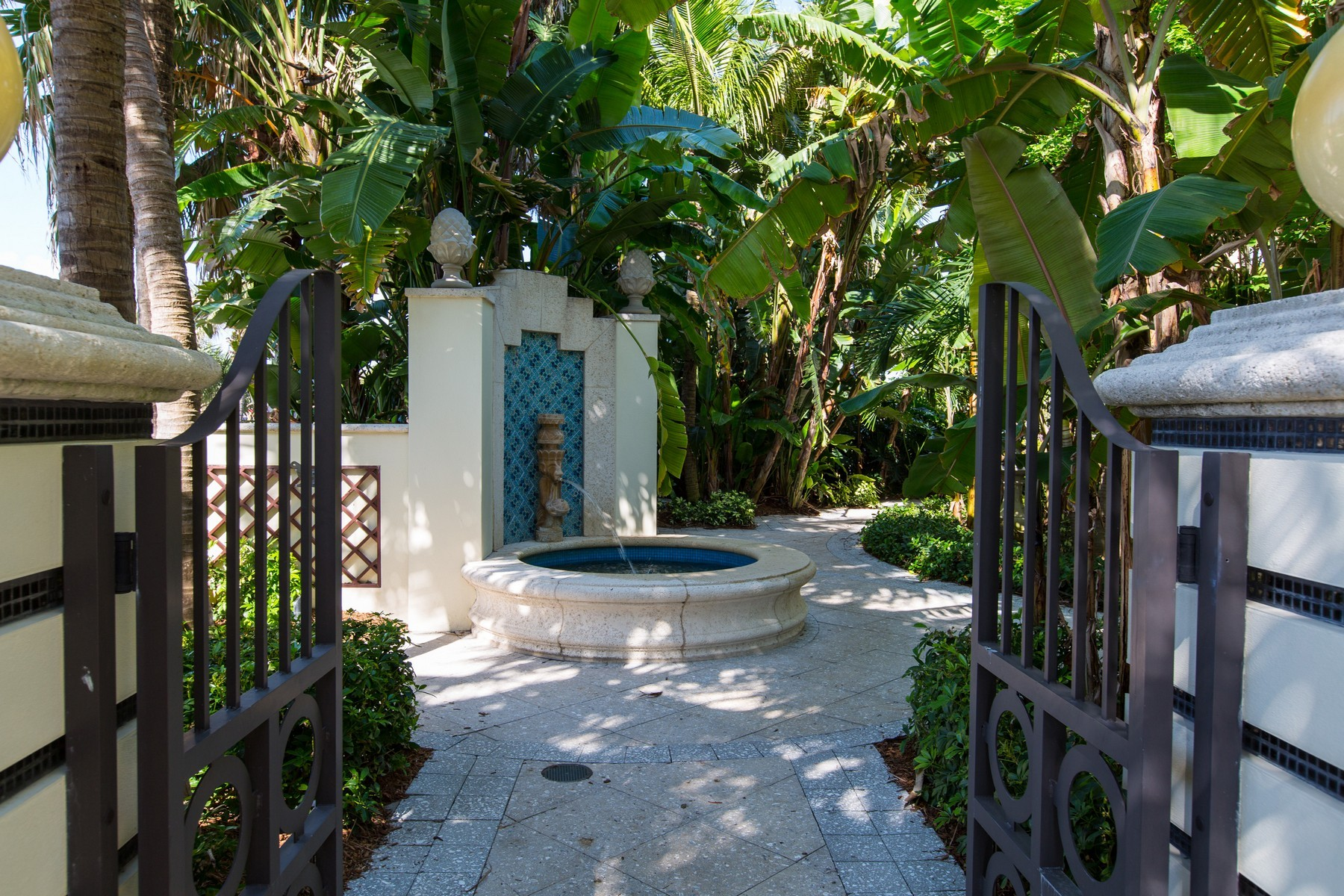 Additional photo for property listing at Vero Beach Condo Hotel 3500 Ocean Drive #407 Vero Beach, Florida 32963 United States