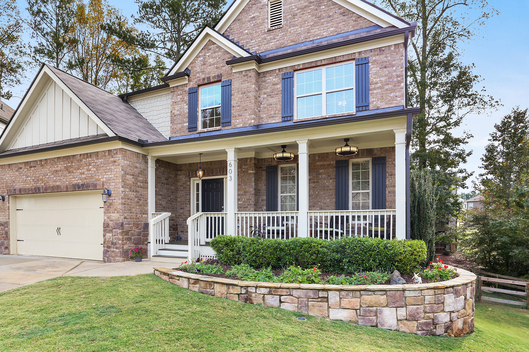Single Family Homes per Vendita alle ore Beautifully Landscaped Traditional Brick Home That Shows Like A Model 603 Providence Walk Pl, Canton, Georgia 30114 Stati Uniti