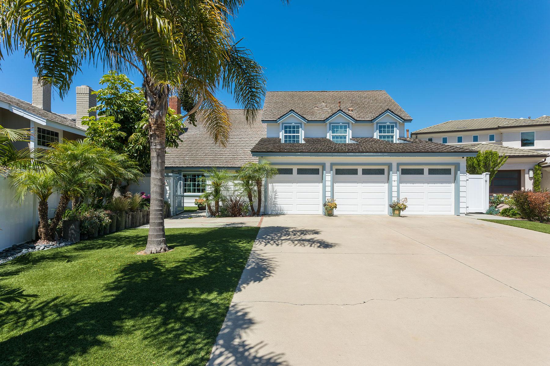 Casa para uma família para Venda às 16861 Marinabay Drive Huntington Beach, Califórnia, 92649 Estados Unidos