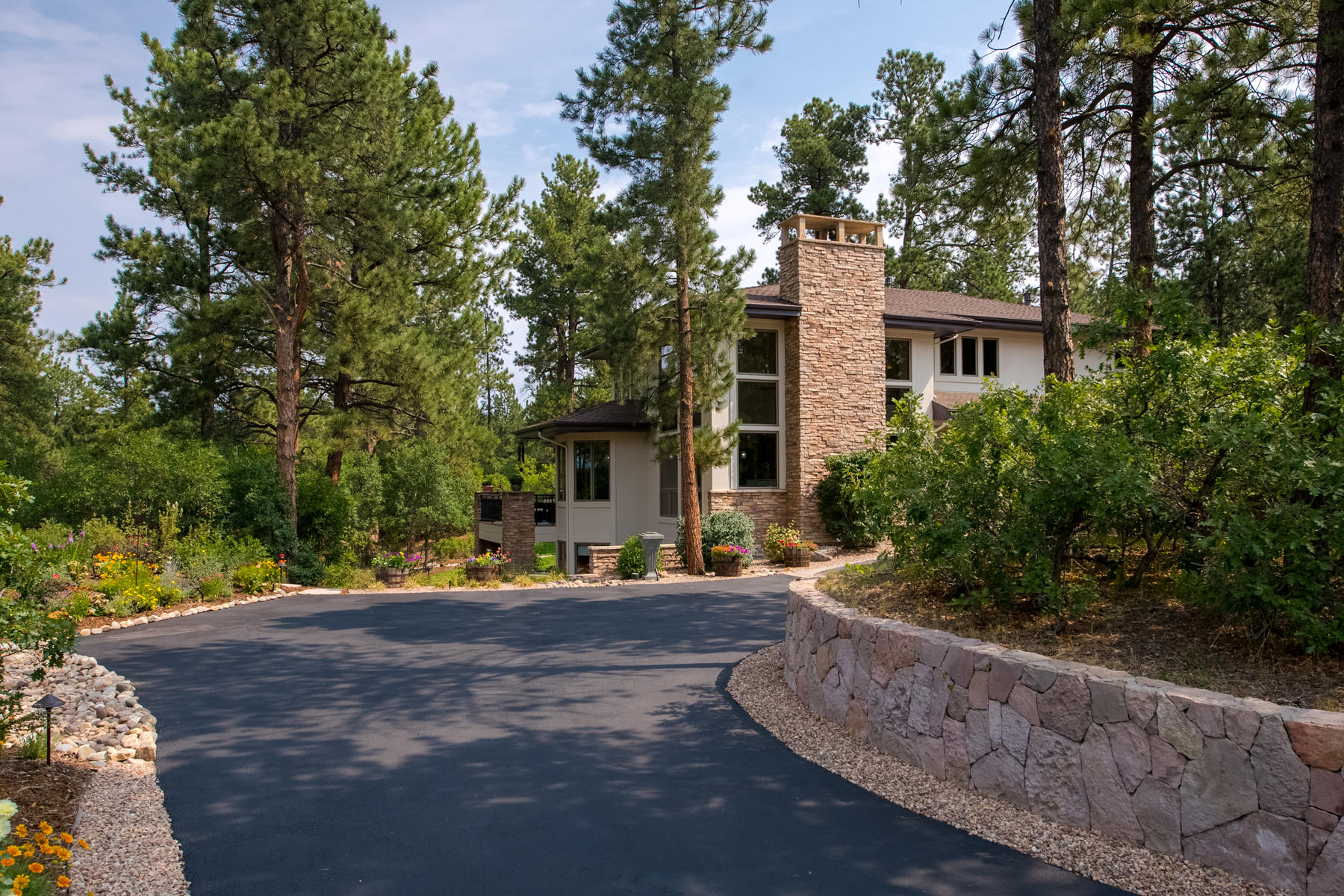 Single Family Home for Active at 967 Country Club Pkwy 967 Country Club Pkwy Castle Pines, Colorado 80108 United States