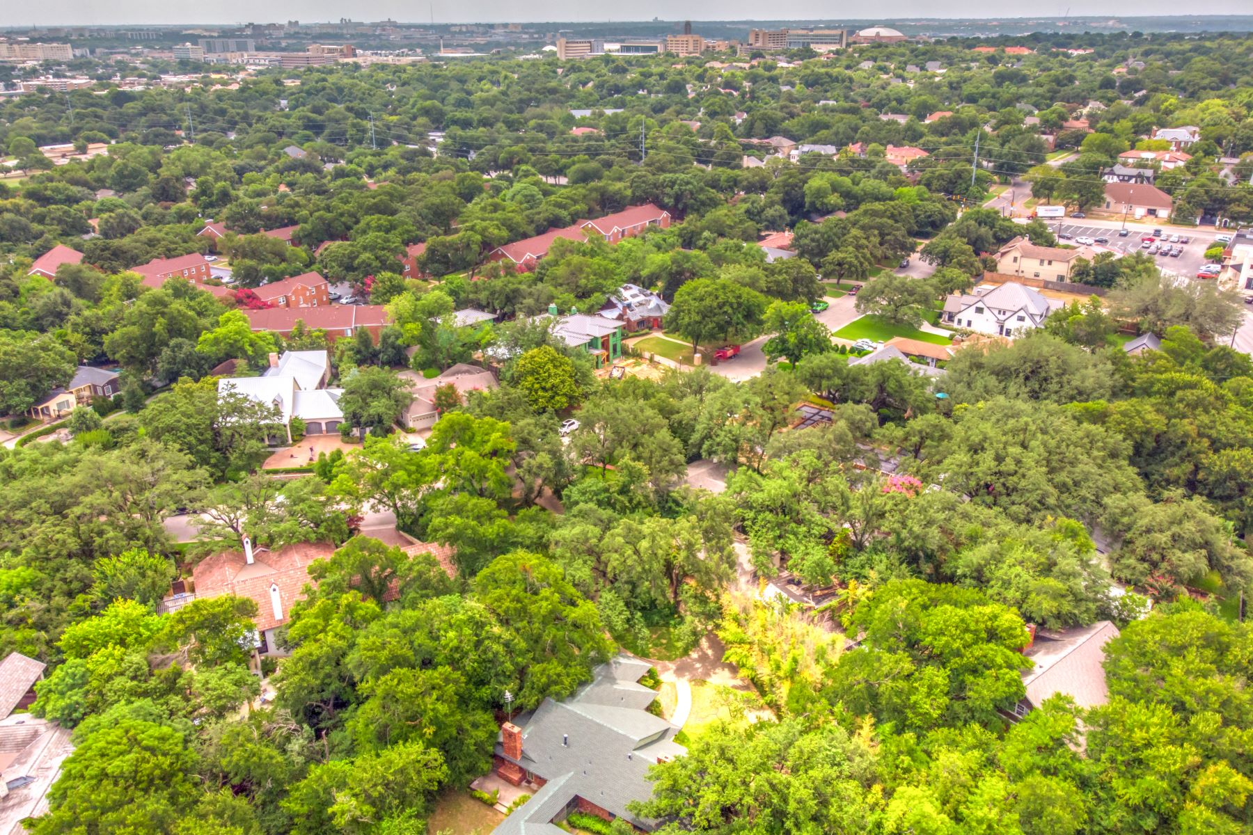 Single Family Homes for Active at Fabulous Opportunity ! 211 Crestwood Drive Fort Worth, Texas 76107 United States