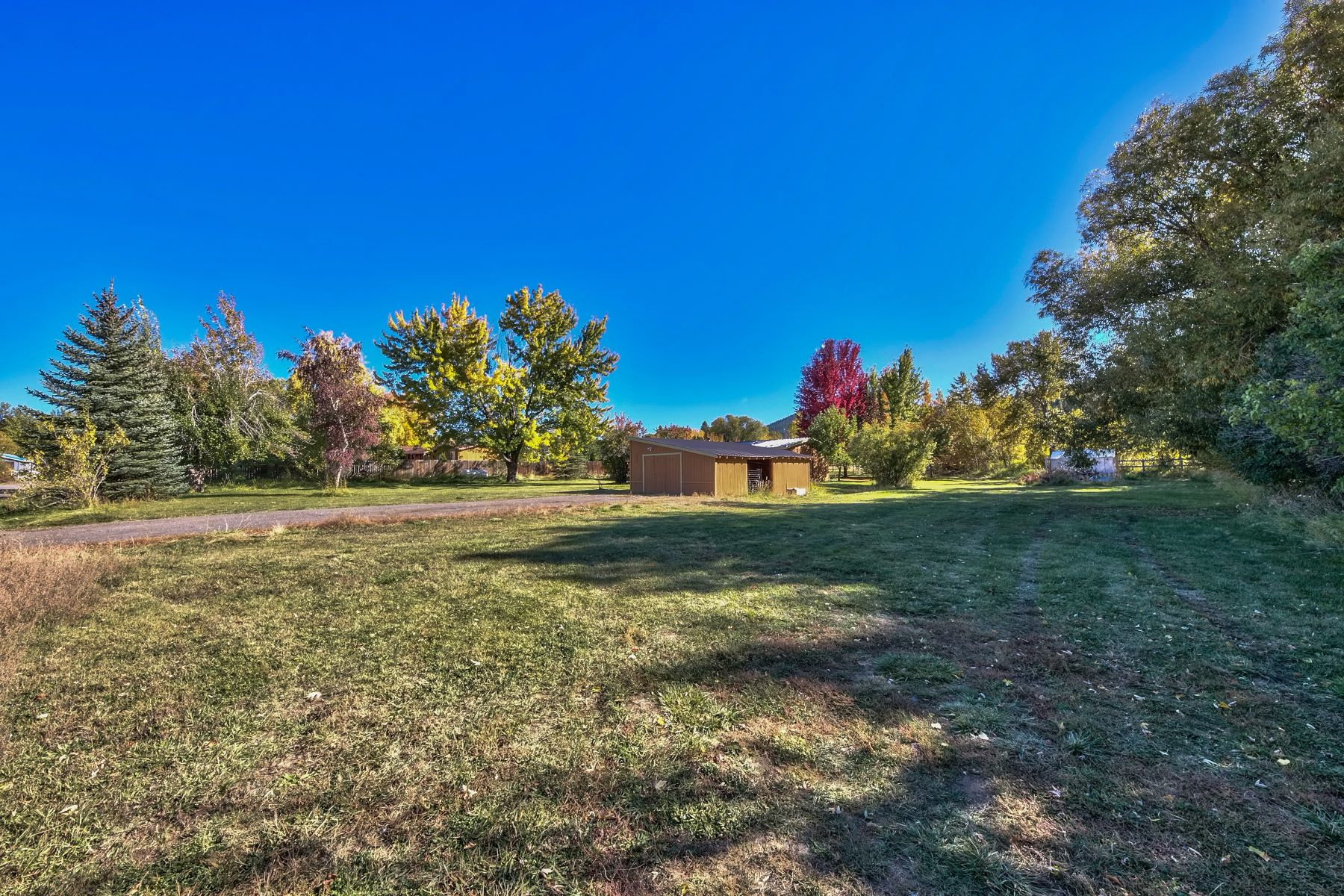 Additional photo for property listing at 110 E. WIllow Steet, Sierraville<CA 96126 110 E. Willow Street Sierraville, California 96126 United States