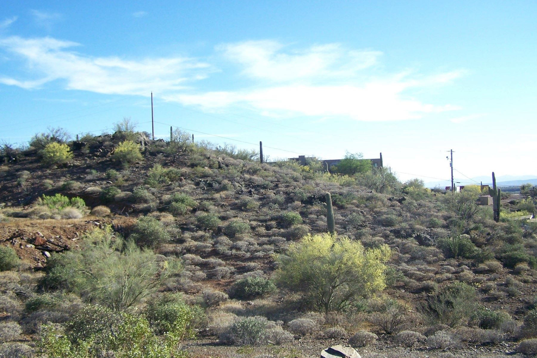 Additional photo for property listing at Incredible valued lot on the outskirts of Phoenix 46246 N 37th Ave New River, Arizona 85087 Estados Unidos