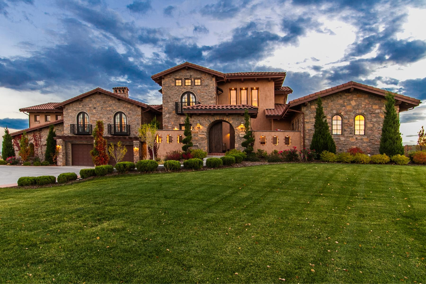 Single Family Homes 为 销售 在 Your Private Escape To Tuscany 15437 Mountain View Cir 布隆菲, 科罗拉多州 80023 美国