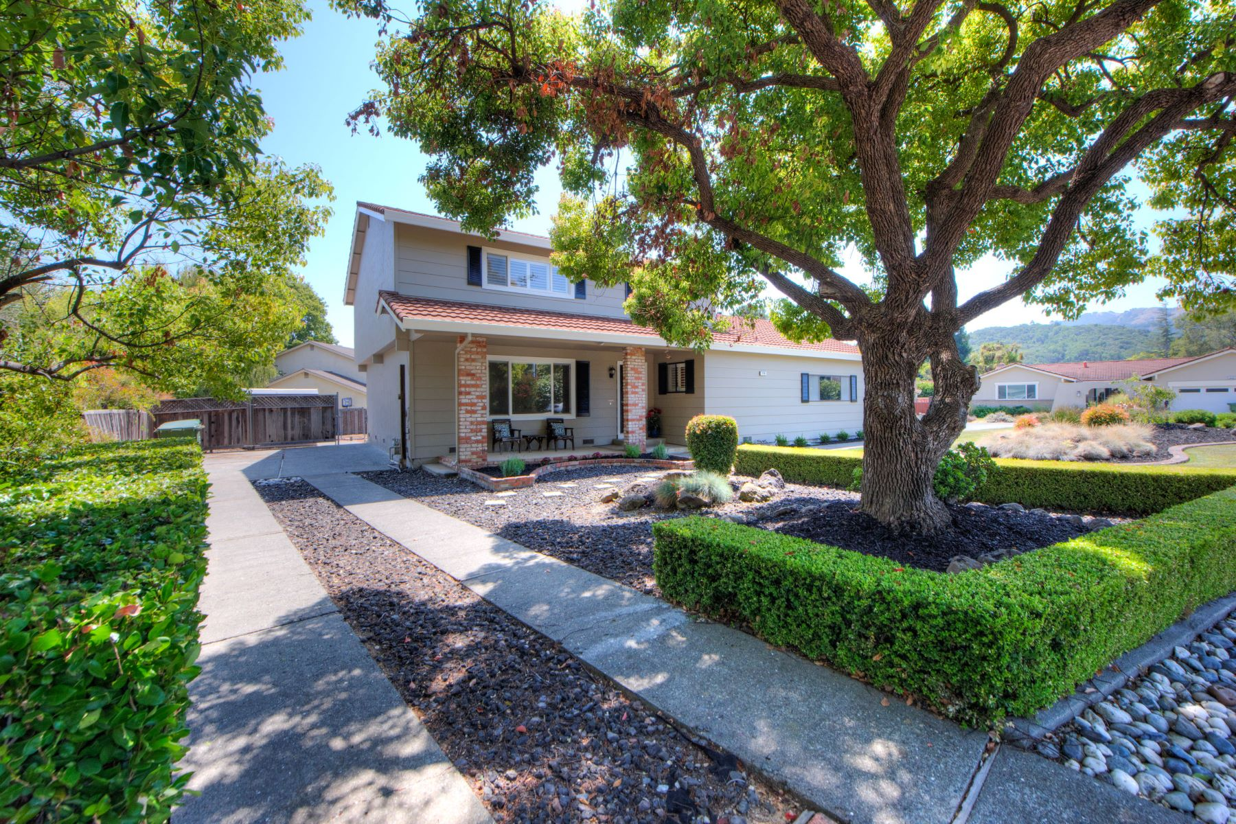 Single Family Home for Sale at Desirable Pleasant Valley Neighborhood! 724 Sutro Ave Novato, California 94947 United States