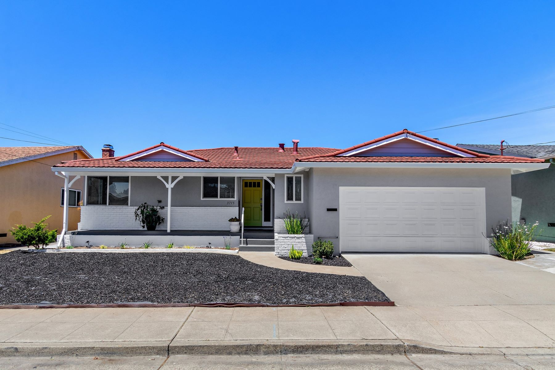 Single Family Homes for Sale at Simply Elegant Chabot Highlands Home 3715 Malcolm Avenue Oakland, California 94605 United States