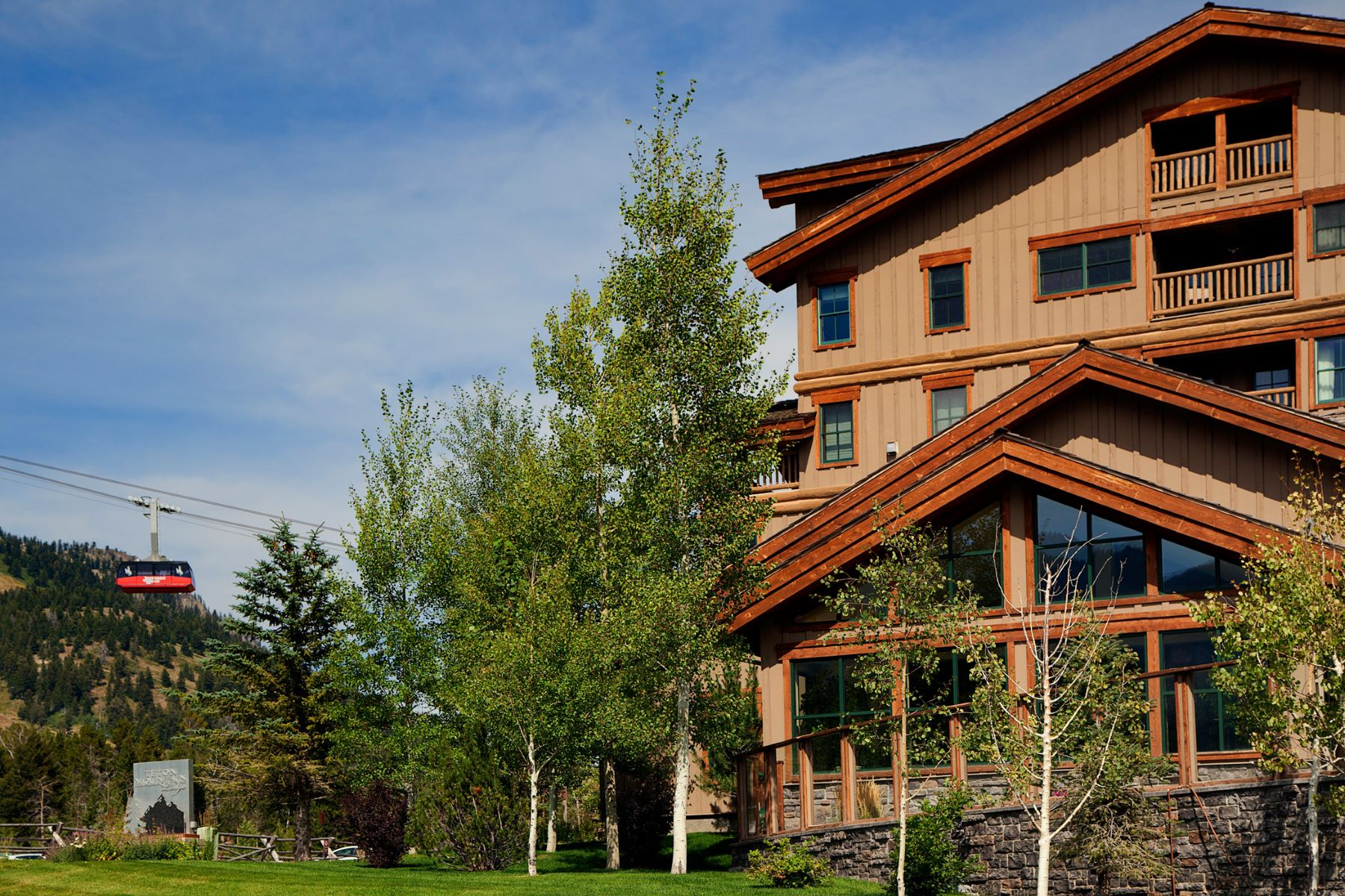Condominio por un Venta en Slopeside in the Teton Mountain Lodge1 3385 Cody Lane Unit 224/226 Teton Mountain Lodge, Teton Village, Wyoming, 83025 Jackson Hole, Estados Unidos