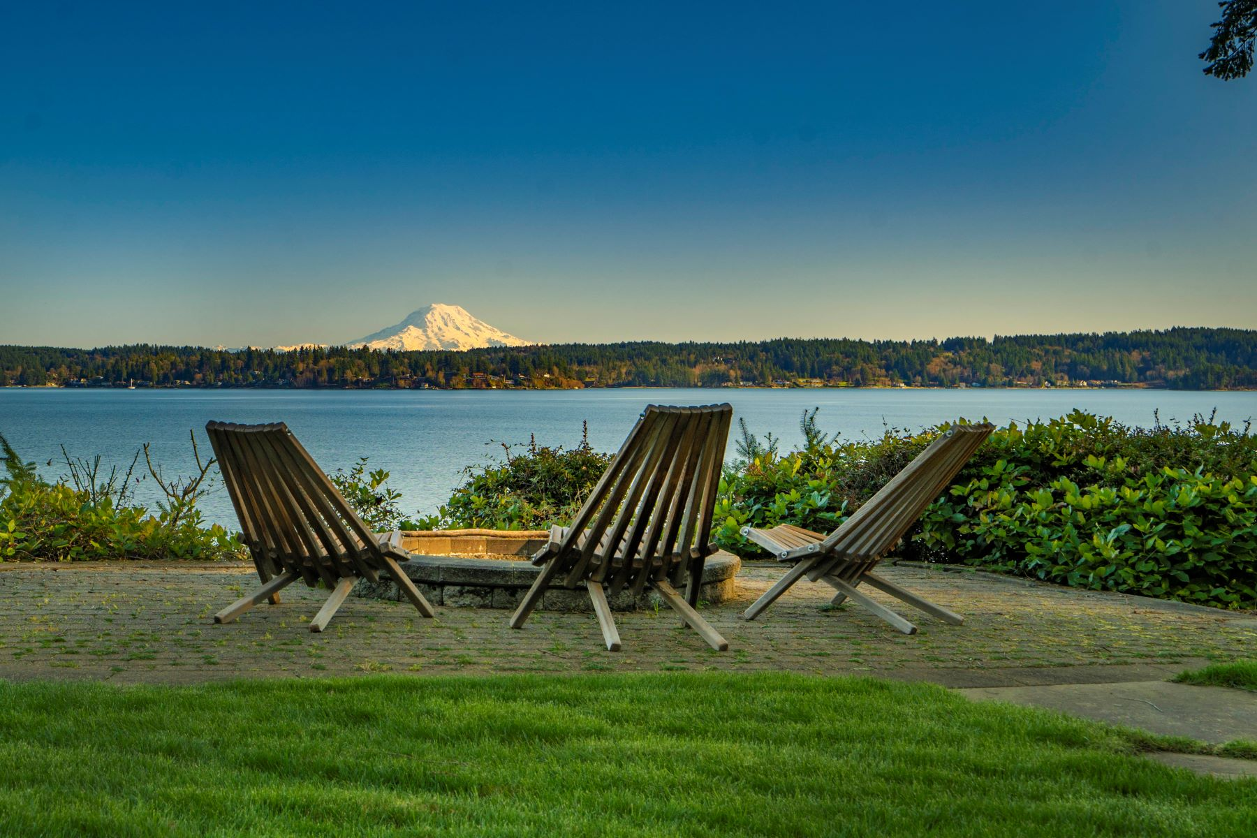 Single Family Homes for Sale at LightHouseInspired.com 13020 Thomas Road NW, Gig Harbor, Washington 98329 United States