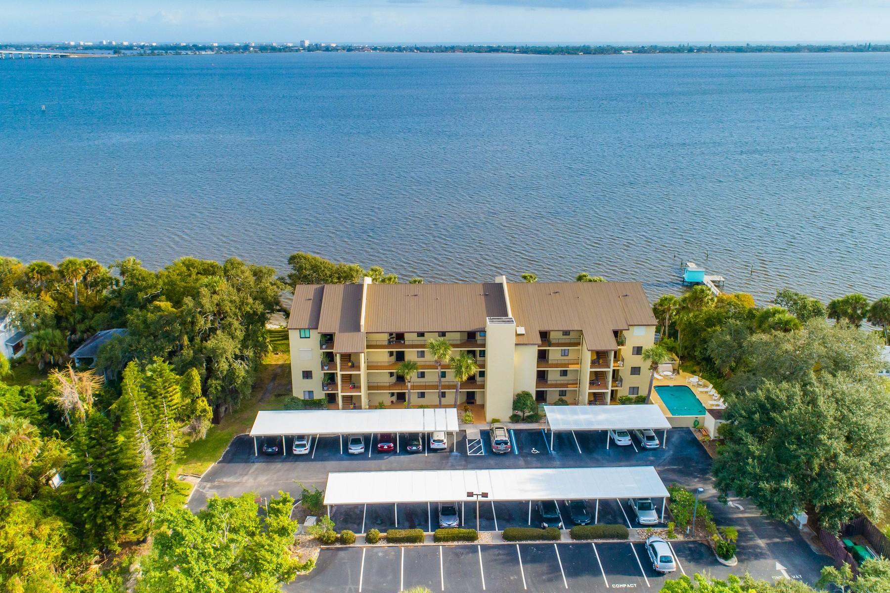 Condominium for Sale at 1480 Roosevelt Ave 1480 Roosevelt Ave #304 Melbourne, Florida 32901 United States