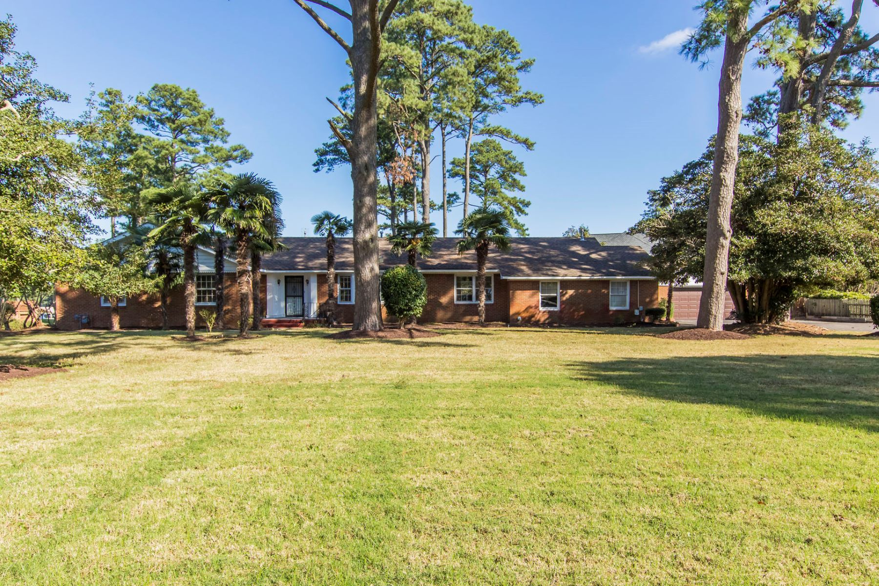 Single Family Home for Sale at Witchduck 4044 N Witchduck Rd Virginia Beach, Virginia 23455 United States