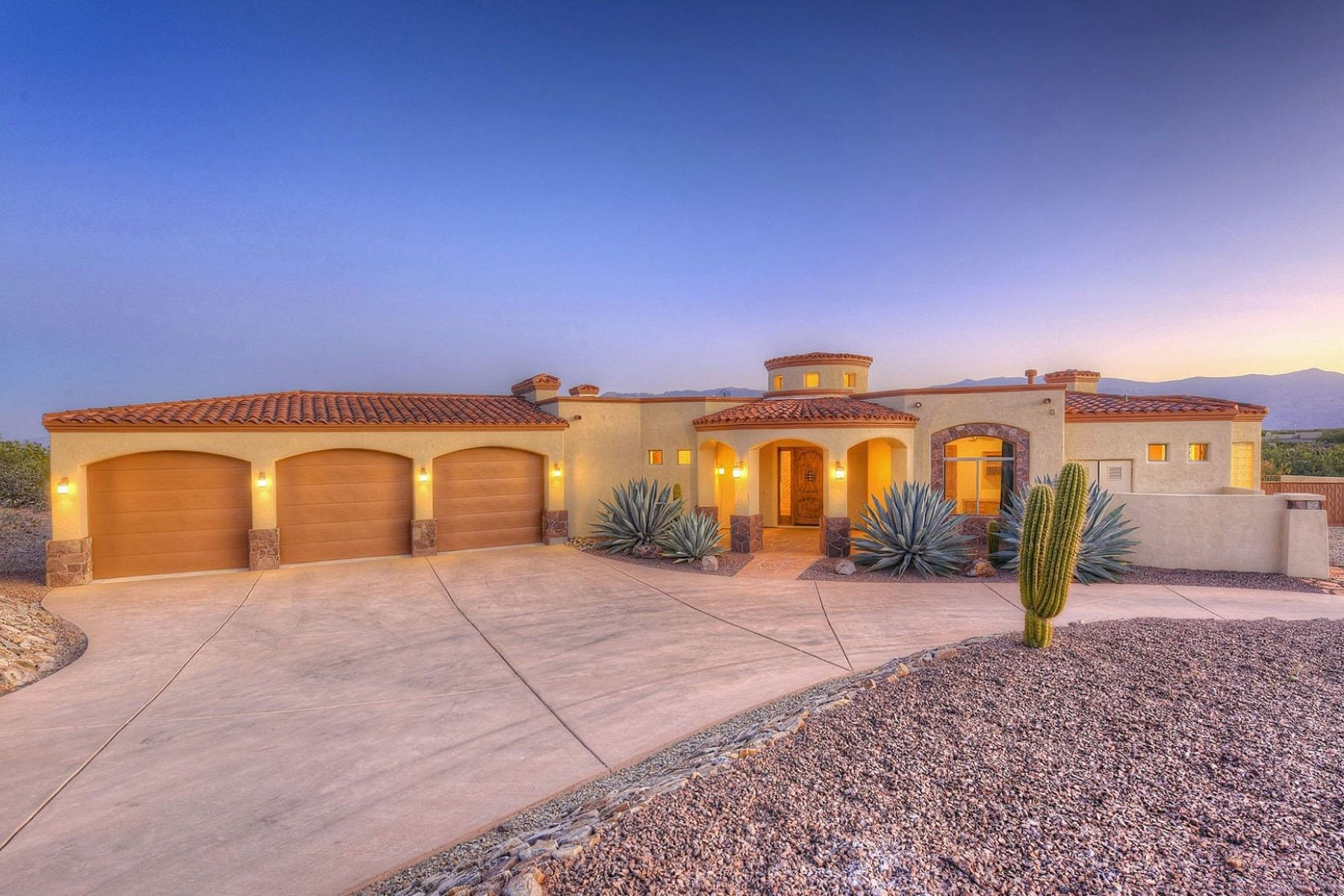 Single Family Homes for Sale at Gorgeous Views of the Rincons 9440 S Old Soldier Trail Vail, Arizona 85641 United States