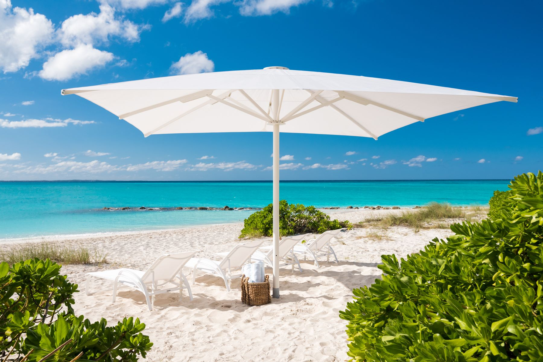 Additional photo for property listing at Coral Pavilion   Vacation Rental Coral House Drive Grace Bay, Providenciales TCI BWI Îles Turques Et Caïques