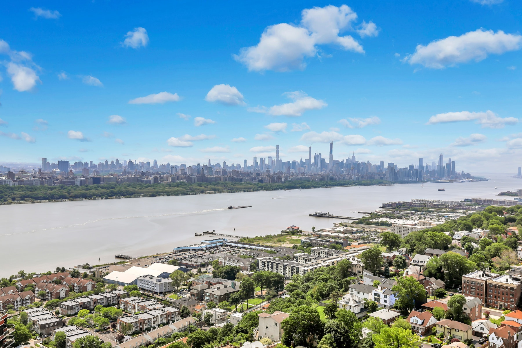 condominiums для того Продажа на Winston Towers 200 Winston Ave #2915, Cliffside Park, Нью-Джерси 07010 Соединенные Штаты