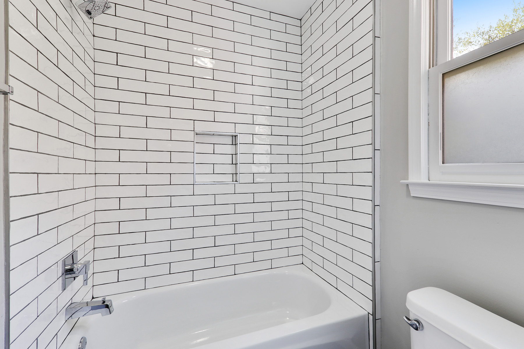 Additional photo for property listing at Complete Renovation In Premiere  Neighborhood 1906 Connemara Drive, Chamblee, ジョージア 30341 アメリカ