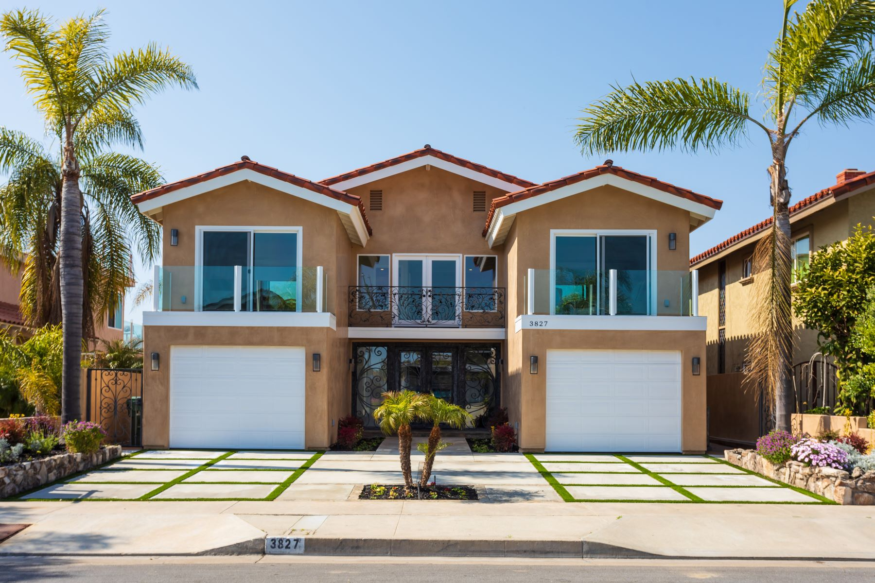 Single Family Homes for Sale at 3827 Mistral Dr Huntington Beach, California 92649 United States