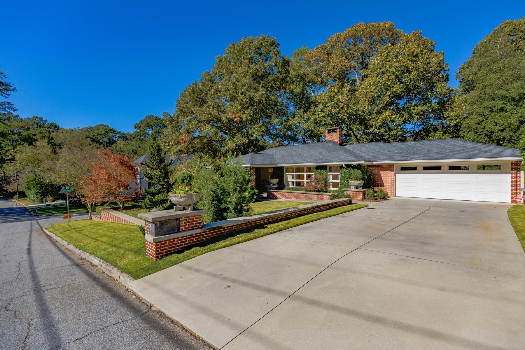 Nhà ở một gia đình vì Bán tại Striking Contemporary Jewel In Garden Hills 2520 Sharondale Drive NE, Garden Hills, Atlanta, Georgia, 30305 Hoa Kỳ