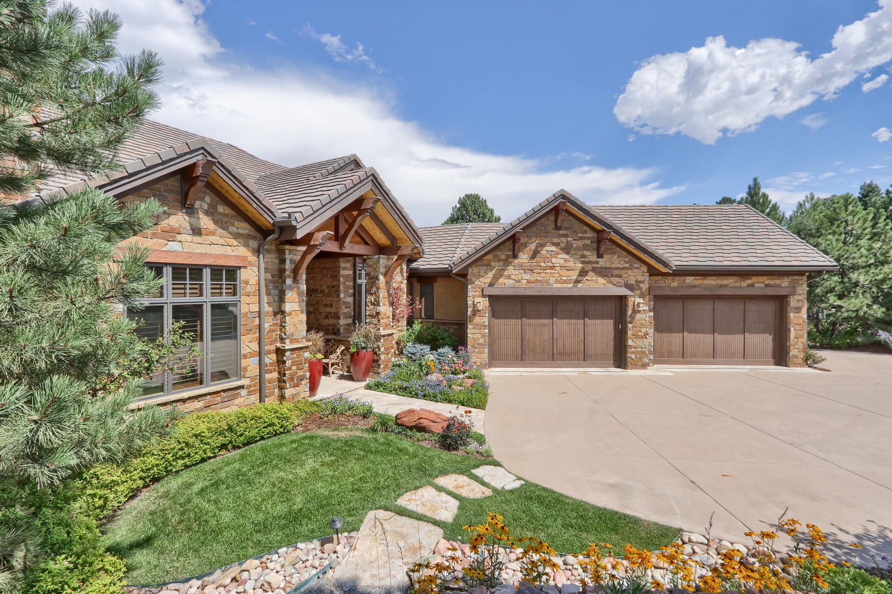 Single Family Homes for Sale at 1105 Northwood Ln Castle Rock, Colorado 80108 United States