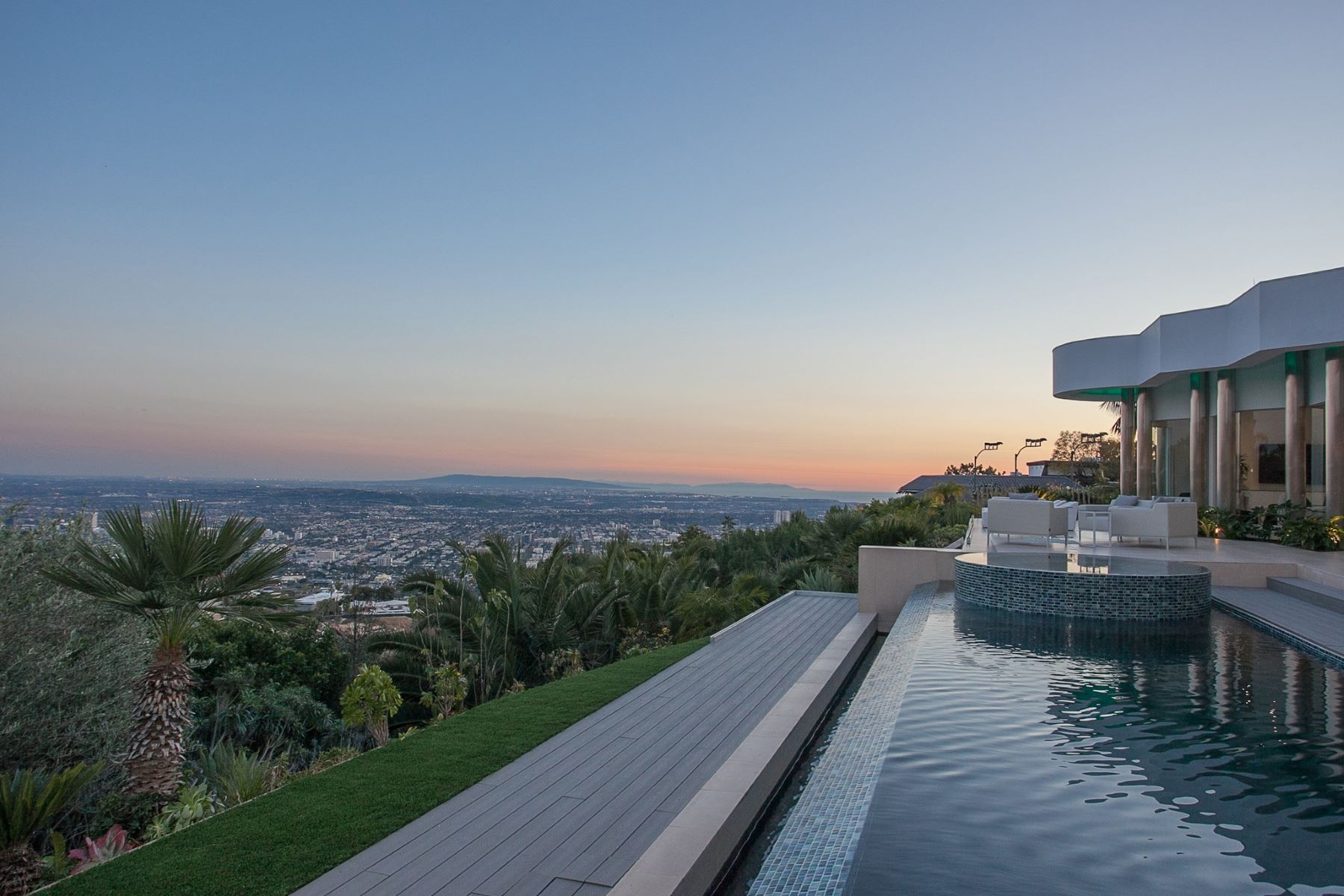 Single Family Homes por un Venta en 440 Martin Lane Beverly Hills, California 90210 Estados Unidos