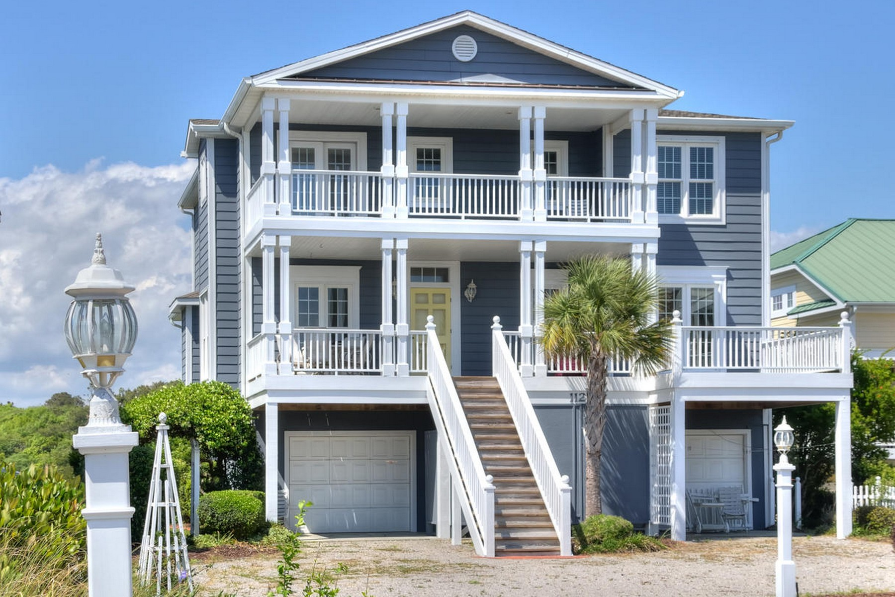 Casa Unifamiliar por un Venta en Incredible ICW Island Home 112 Golden Dune Way Lot #32 Holden Beach, Carolina Del Norte, 28462 Estados Unidos