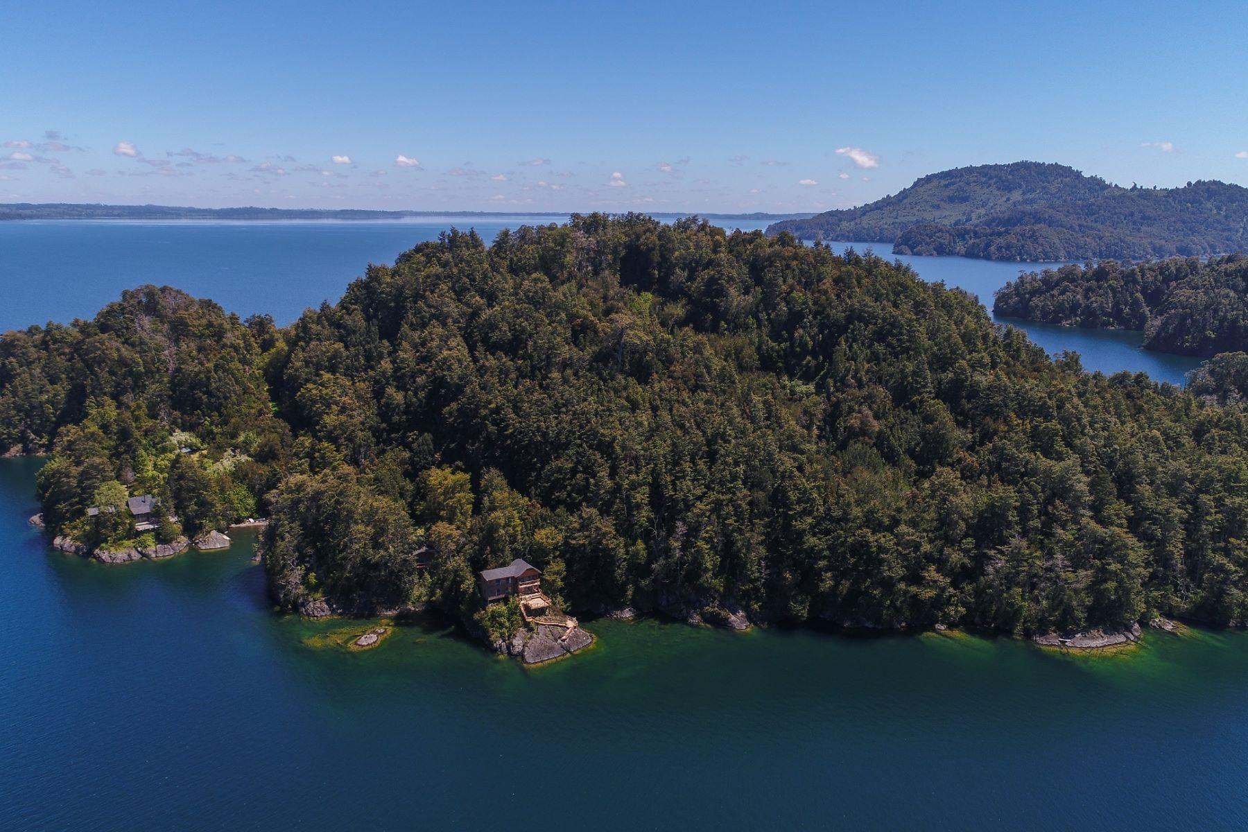 Private Islands por un Venta en Exclusiva Isla con Lodge en el Maravilloso Lago Puyehue Puyehue, Osorno, Los Lagos Chile