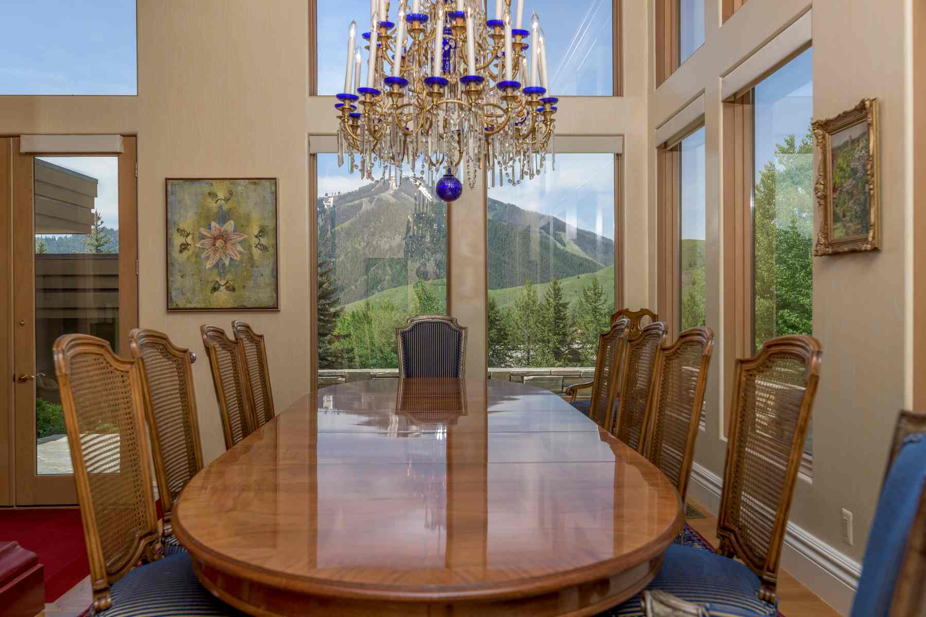 Additional photo for property listing at Spectacular Elevated Setting 455 N. Bigwood Drive Ketchum, Idaho 83340 Estados Unidos