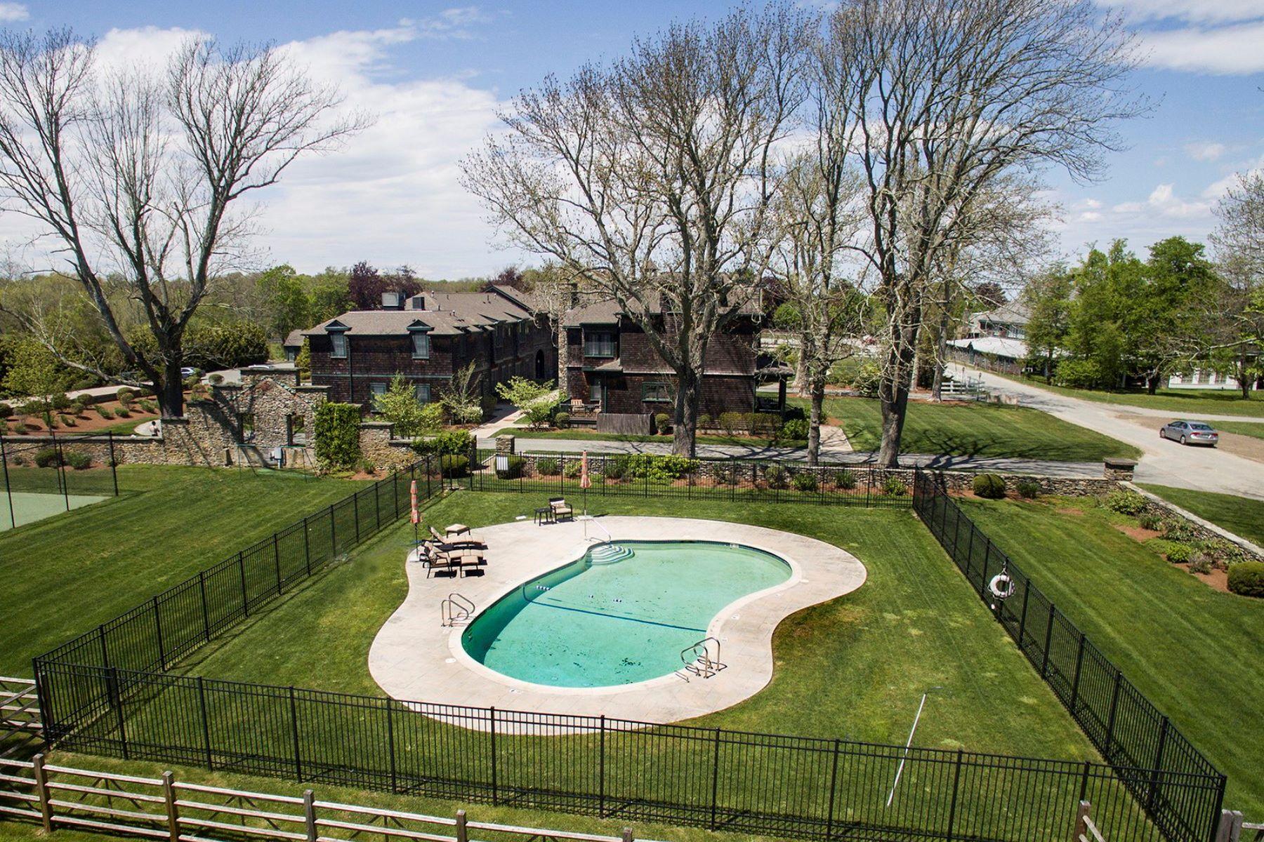 Additional photo for property listing at Vanderbilt Stable Condominiums 53 Sandy Point Farm Road 5 朴茨茅斯, 罗得岛 02871 美国