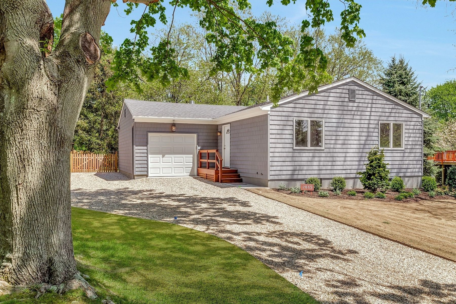 Single Family Home for Active at Southold 2865 South Harbor Rd Southold, New York 11971 United States
