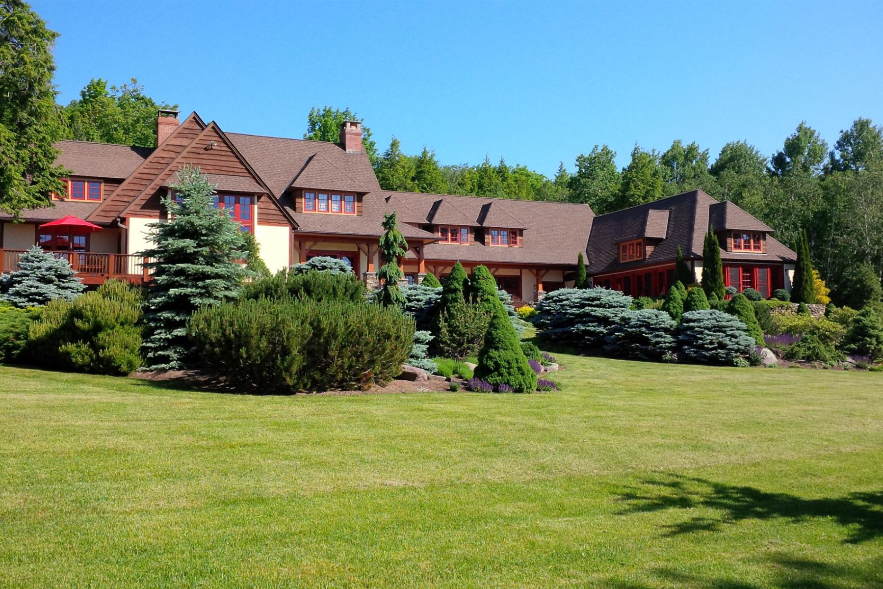 Additional photo for property listing at Hunter Mountain Retreat 54 Blackberry Dr. Jewett, New York 12444 United States