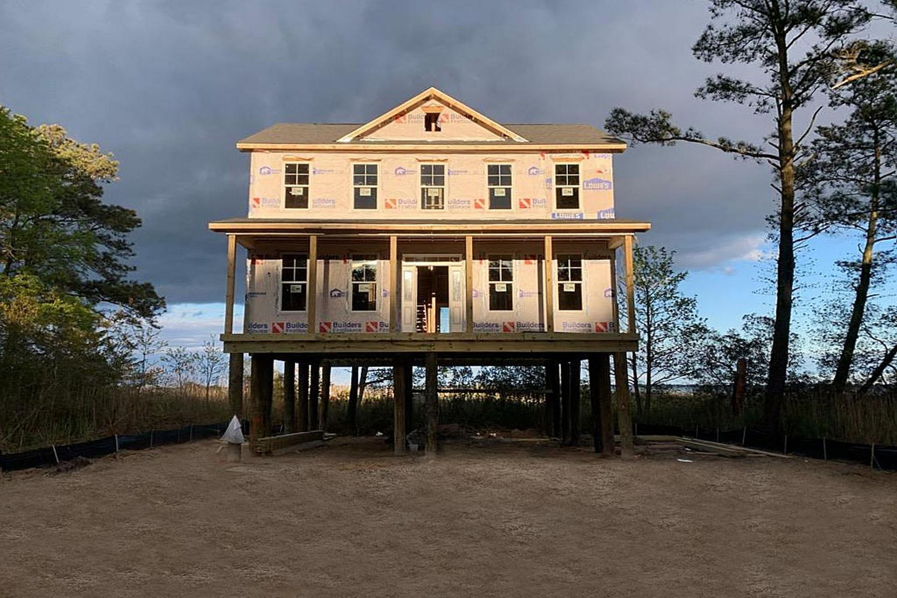Single Family Homes 為 出售 在 Captains Cove Coastal Colonial Lot 716 Castaway Drive, Greenbackville, 弗吉尼亞州 23356 美國