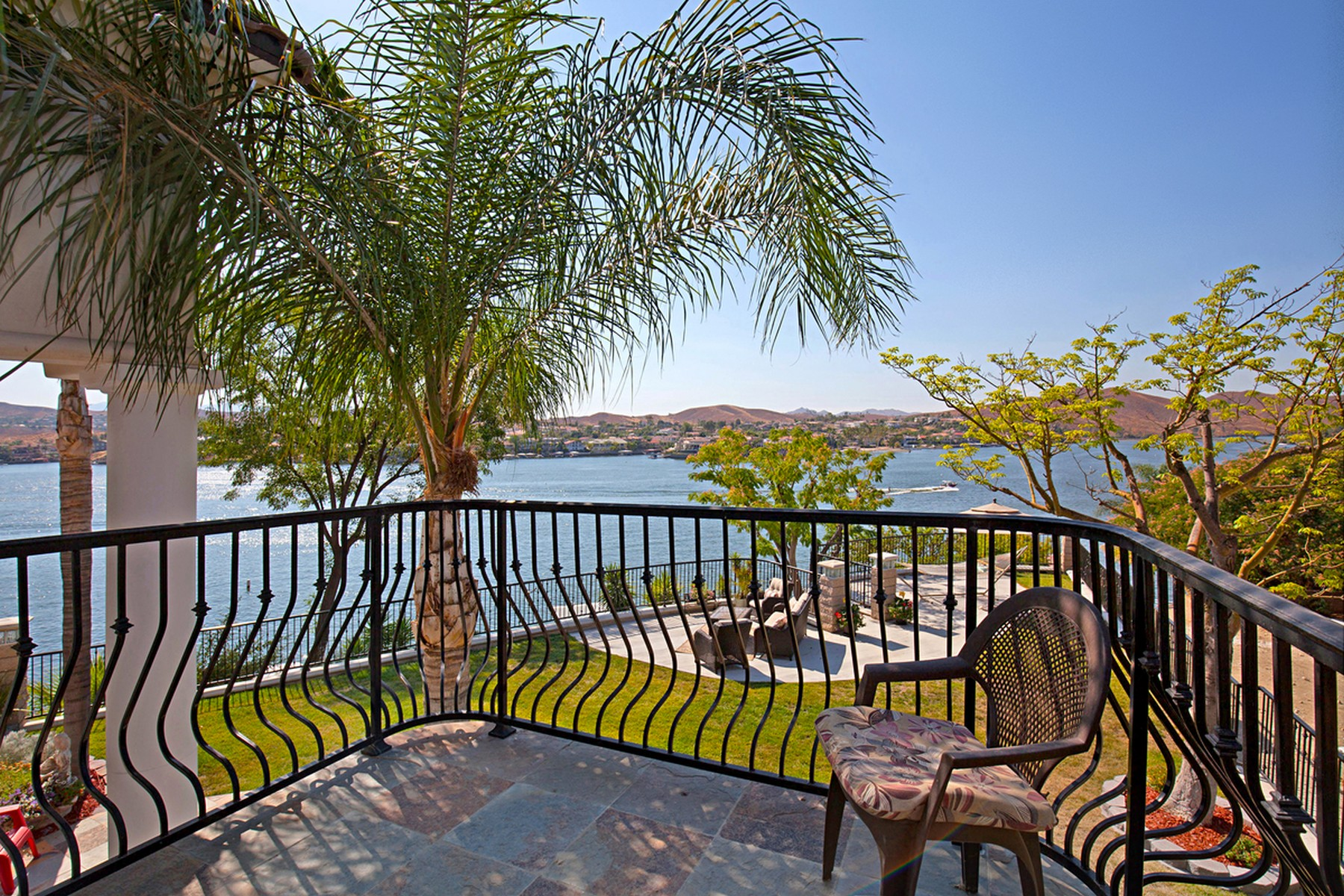 Single Family Home for Sale at 29723 Eagle Point Drive Canyon Lake, California 92587 United States