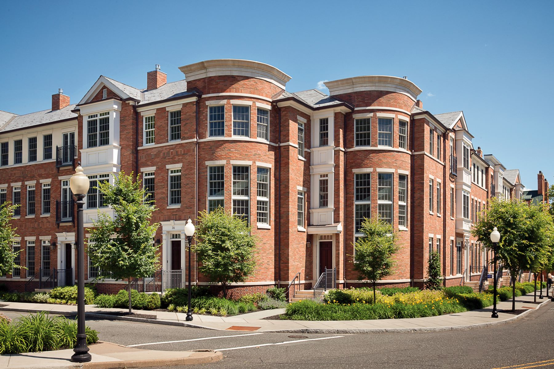 Easy, Luxurious Living in a Dynamic Setting 121 Victoria Mews, Princeton, New Jersey 08542 United States
