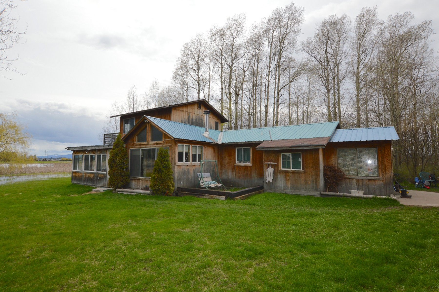 Additional photo for property listing at 225 Bison Hollow Rd , Columbia Falls, MT 59912 225  Bison Hollow Rd Columbia Falls, Montana 59912 United States