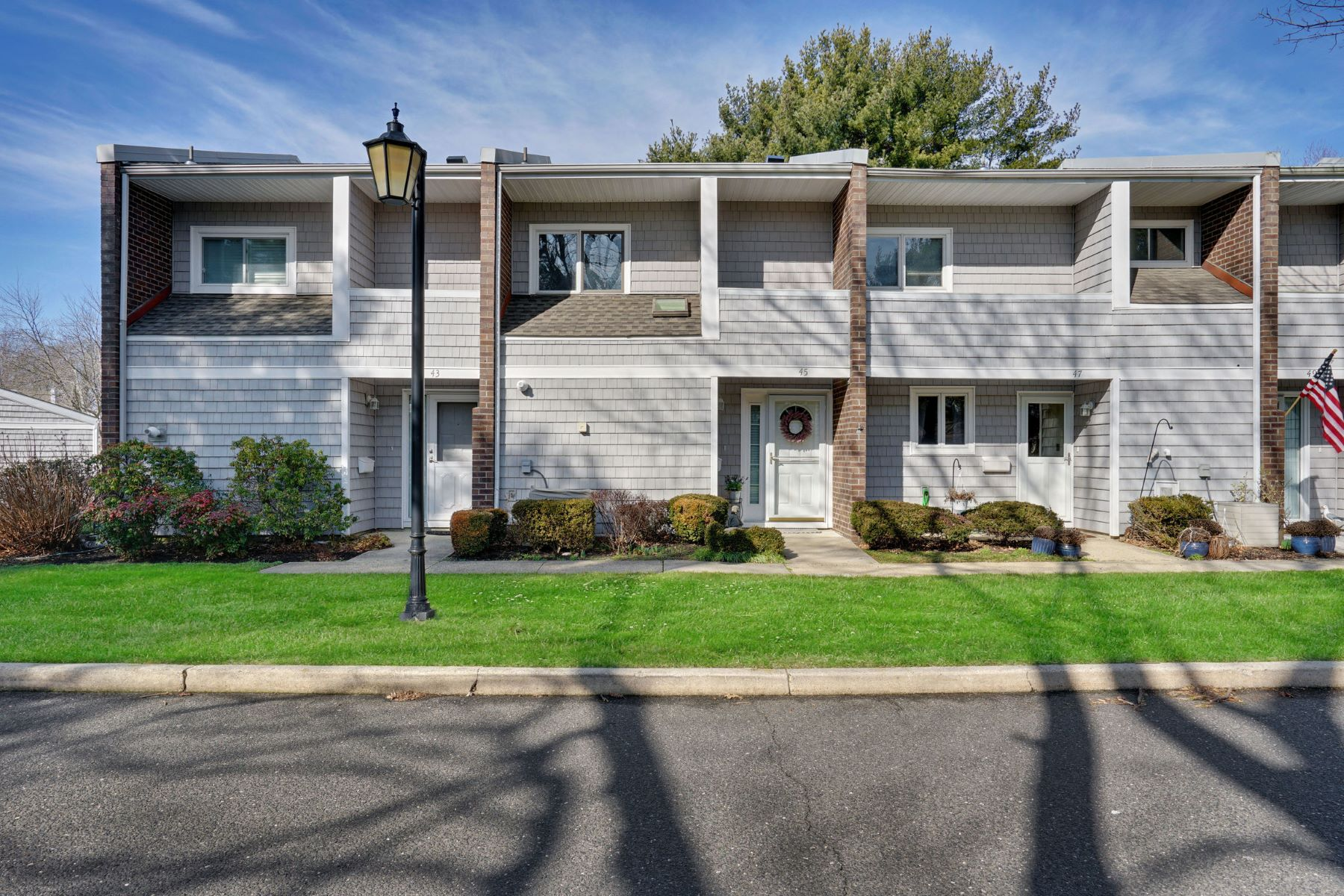 Condominiums для того Продажа на Fairway Mews 45 Locust Way, Spring Lake Heights, Нью-Джерси 07762 Соединенные Штаты