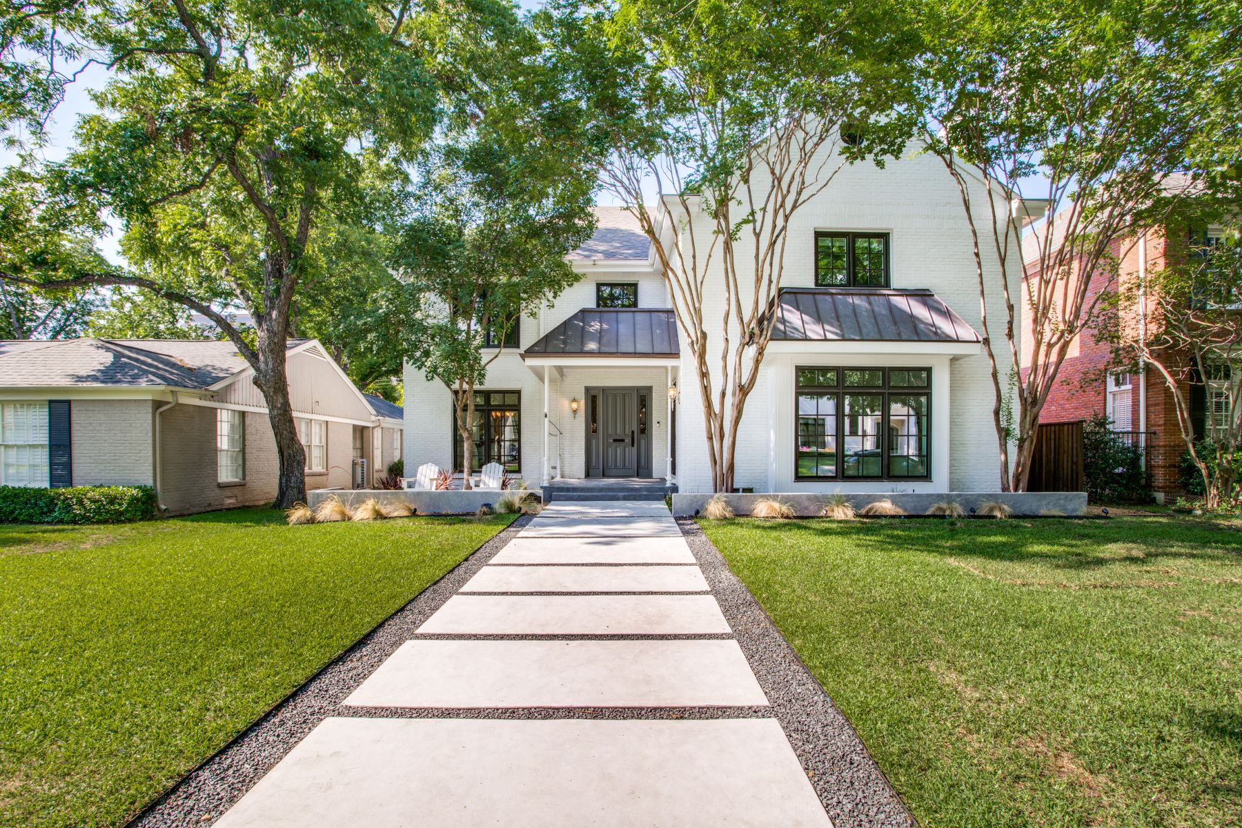 Single Family Homes for Sale at University Park Traditional 4224 Caruth Boulevard University Park, Texas 75225 United States