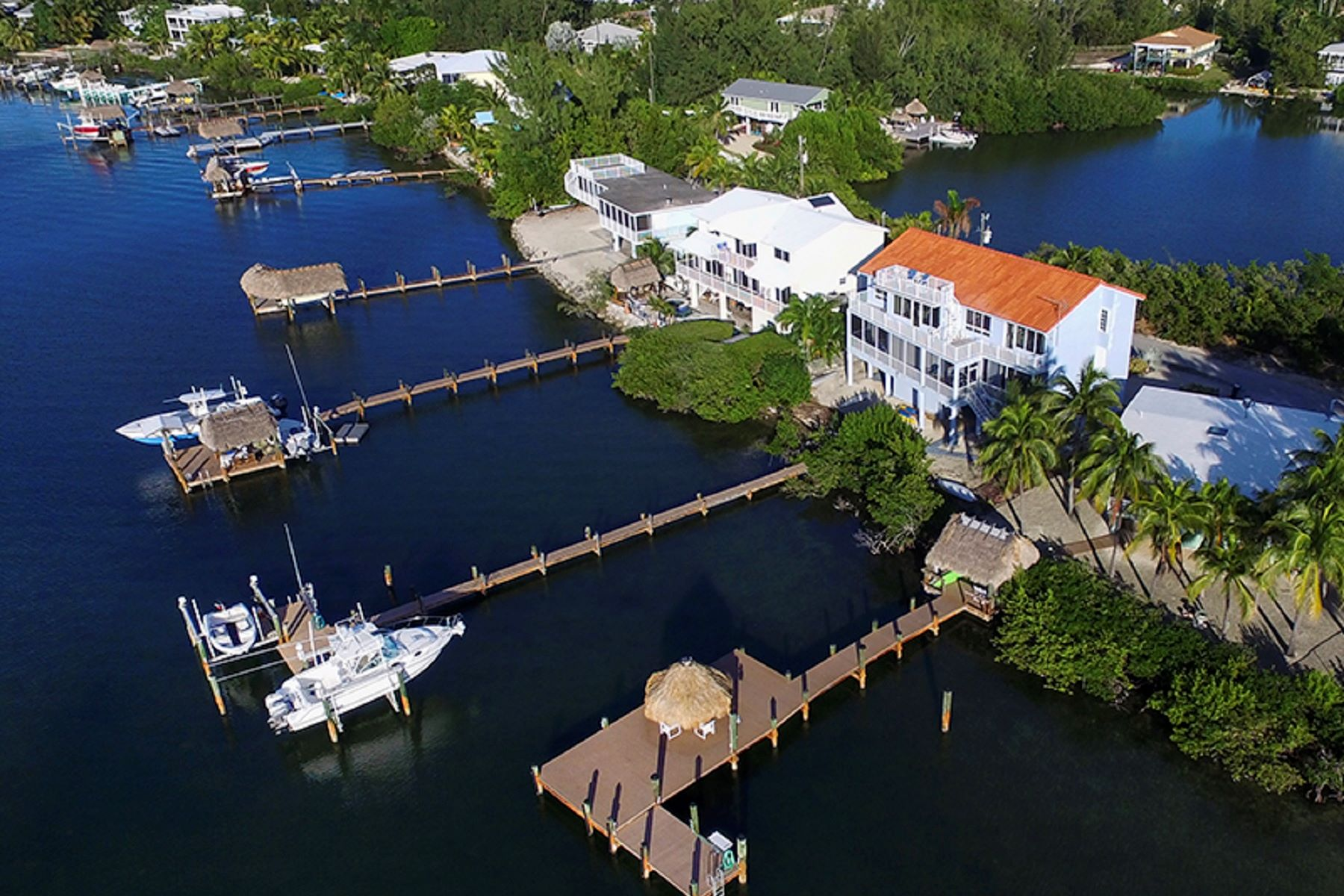 Additional photo for property listing at Custom Bayfront Home 30 S Bounty Ln Key Largo, Florida 33037 États-Unis