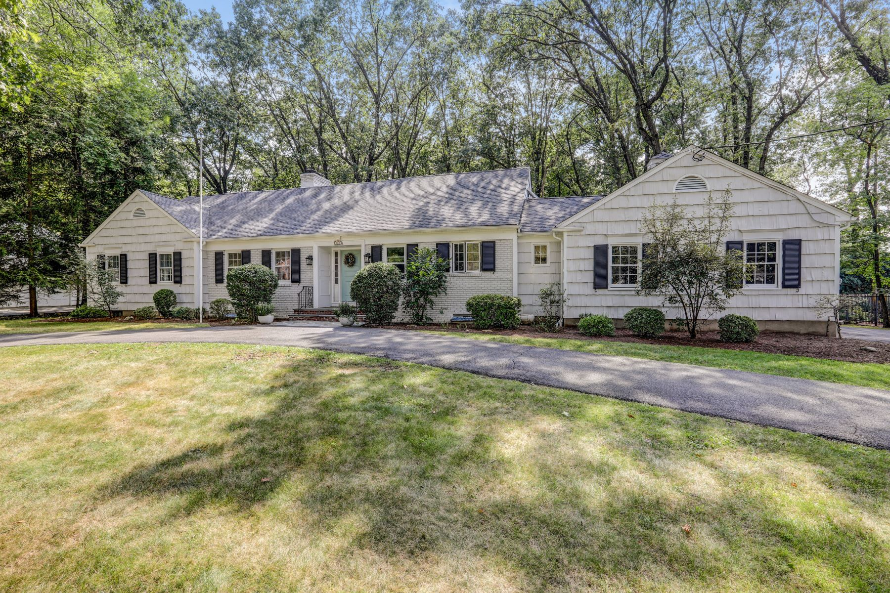 Single Family Homes for Sale at Elegant Ranch 105 Avon Drive Essex Fells, New Jersey 07021 United States